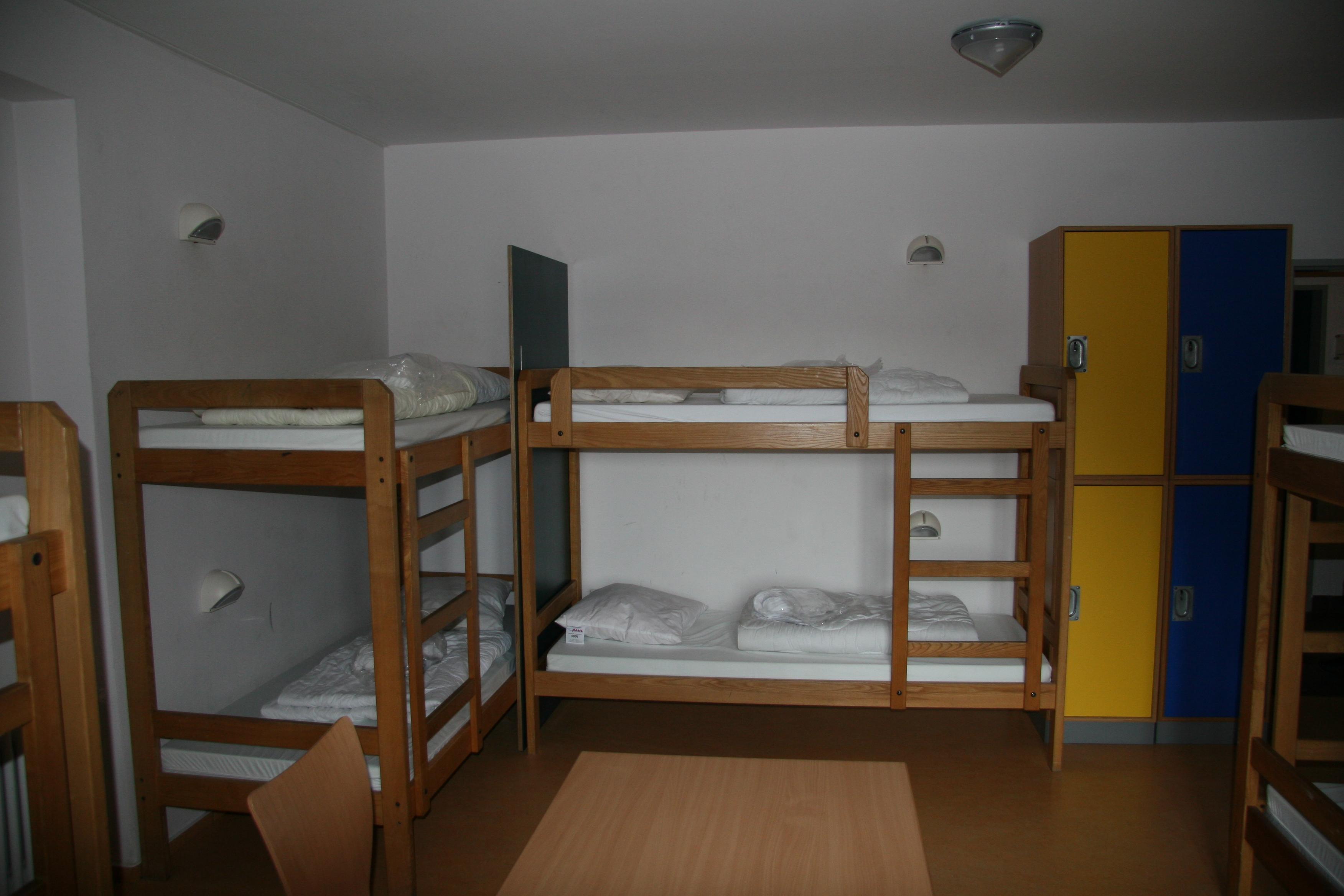 File:Youth hostel Vianden Luxembourg 05.jpg - Wikimedia