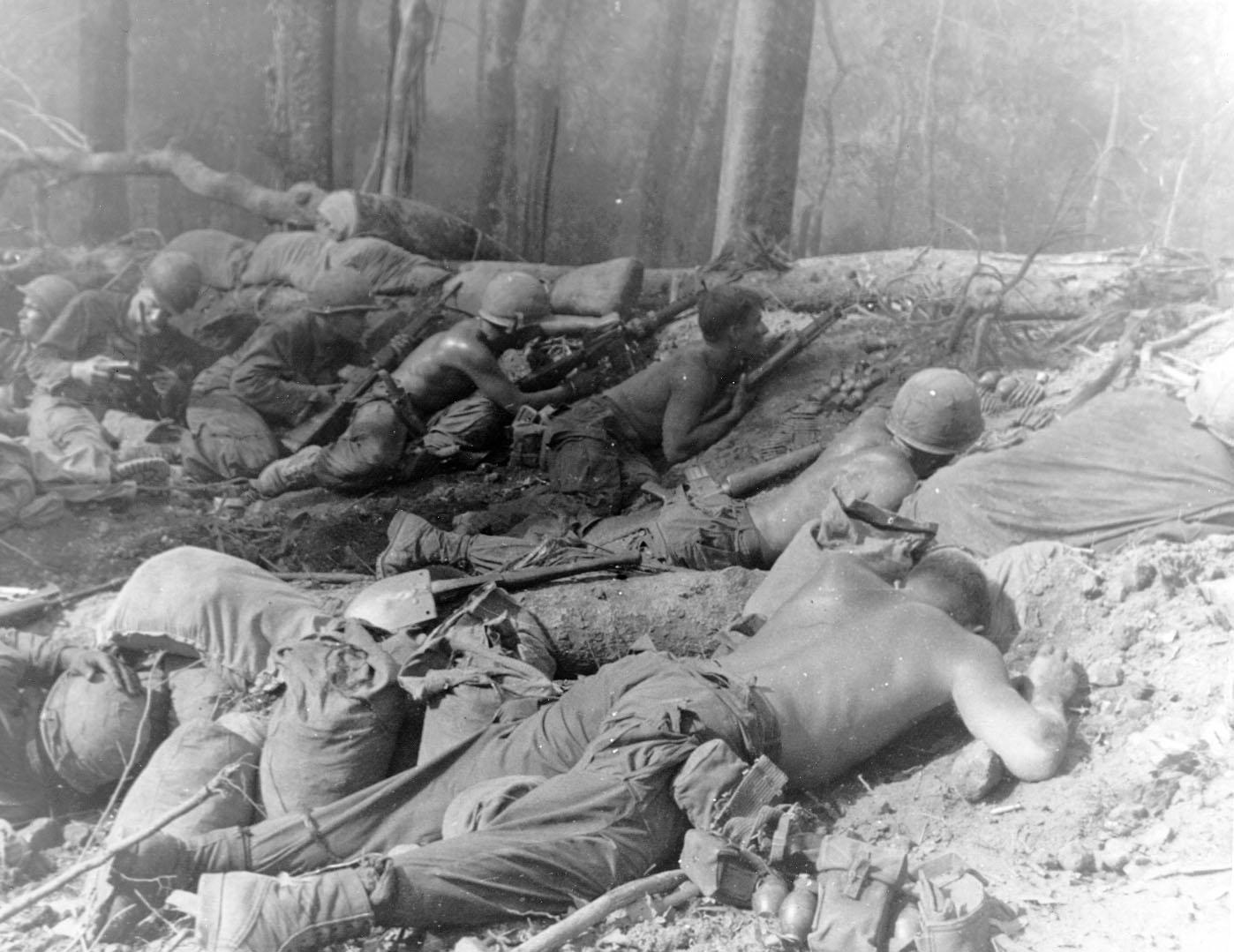 Znalezione obrazy dla zapytania Vietnam war photo