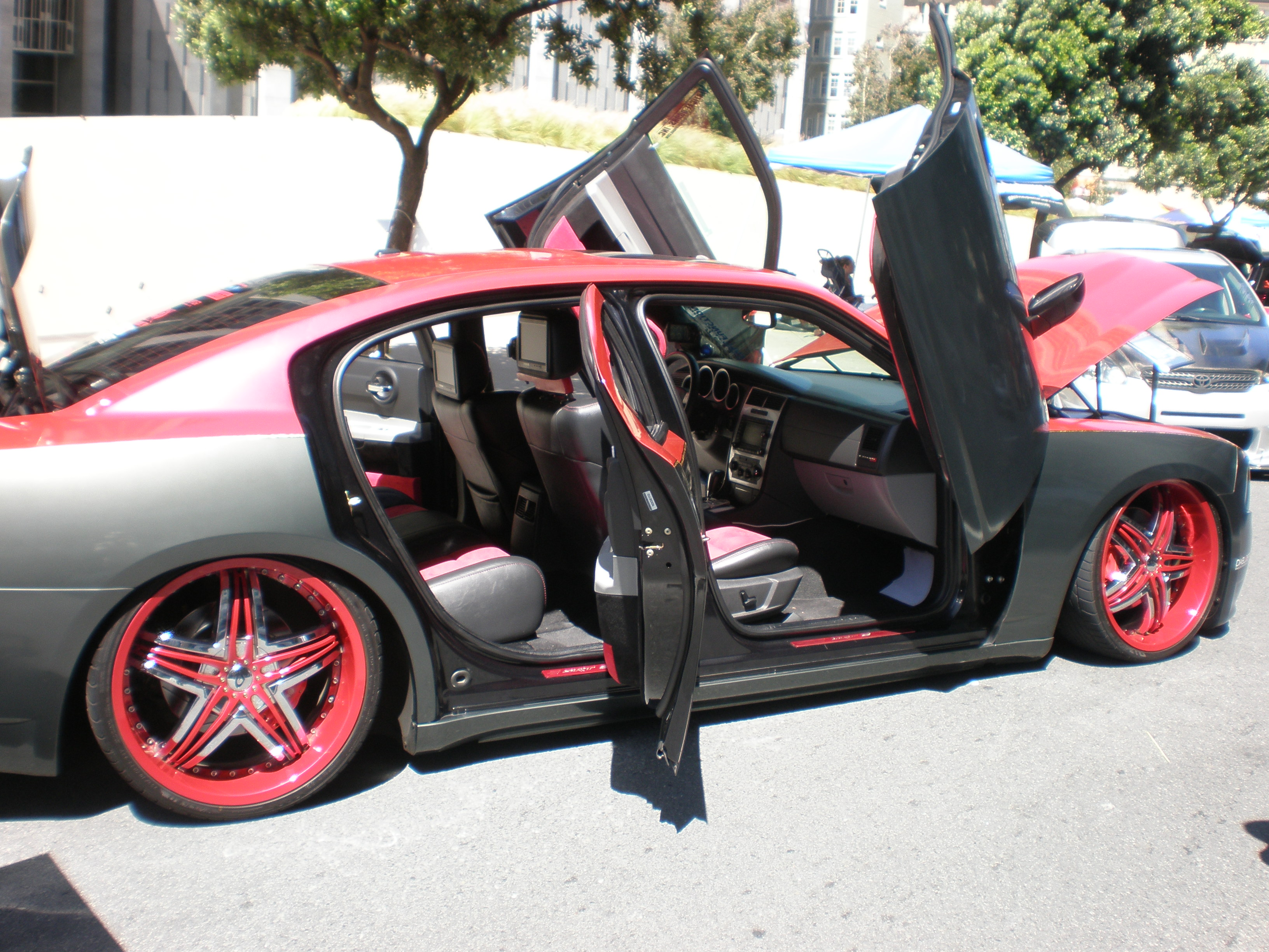 File:2006 Modified Dodge Charger SRT 8 Side 1.JPG