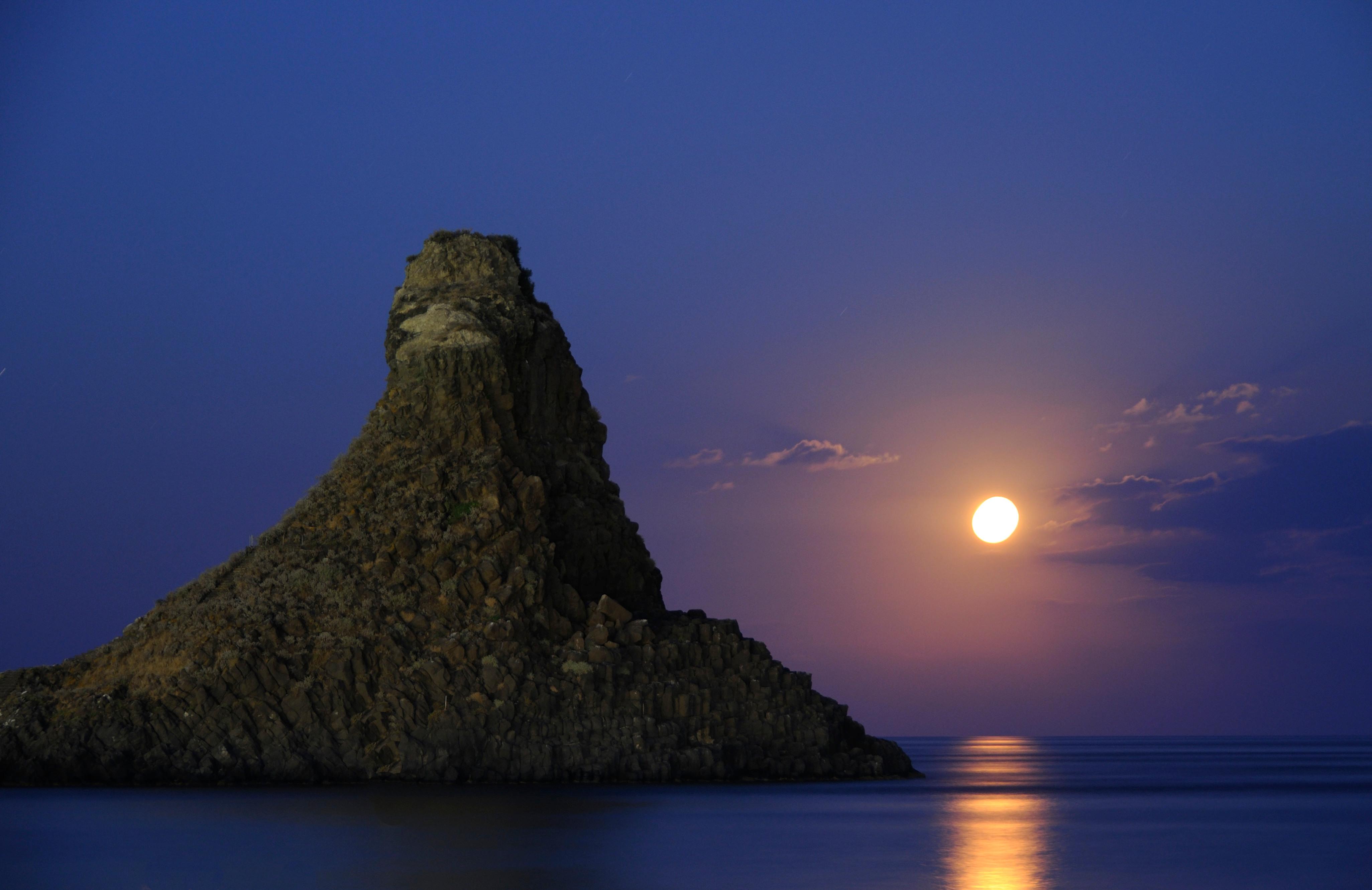 Moon Rise Chart: Acitrezza Faraglioni Moon Rise Sicilia Italy Italia ,Chart