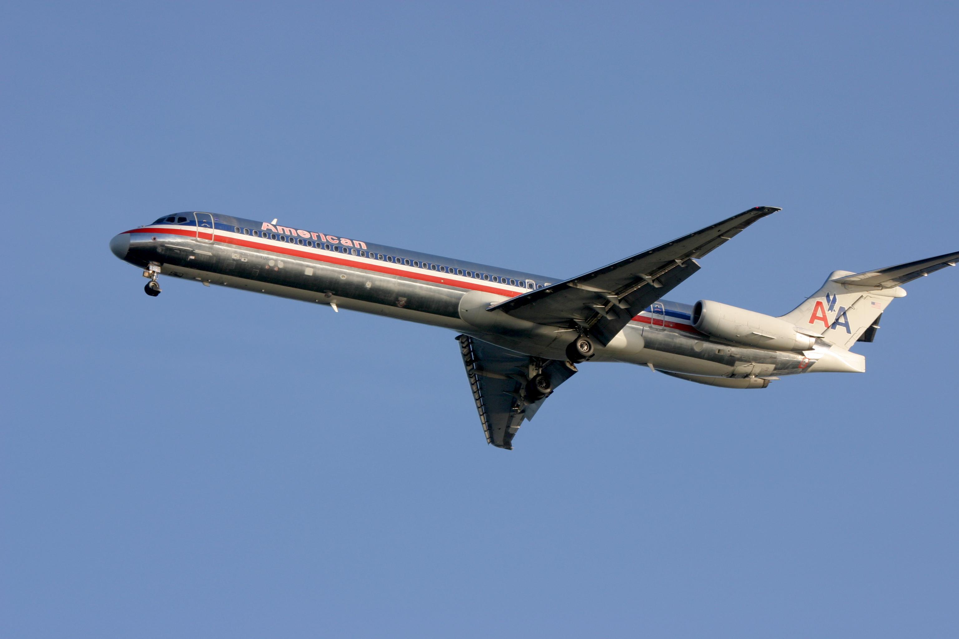 File:American Airlines.MD-80.BOS.2006.jpg