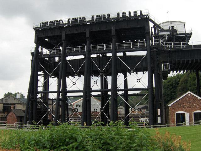 Anderton Lift 1 - geograph.org.uk - 894731