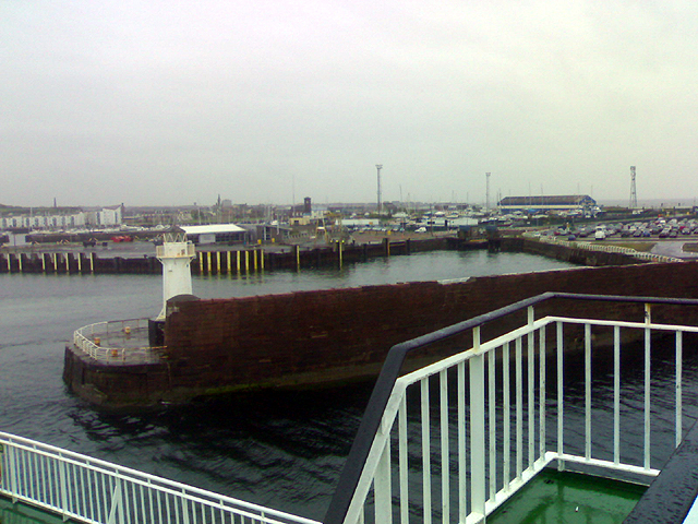 File:Ardrossan Ferry Terminal - geograph.org.uk - 411007.jpg