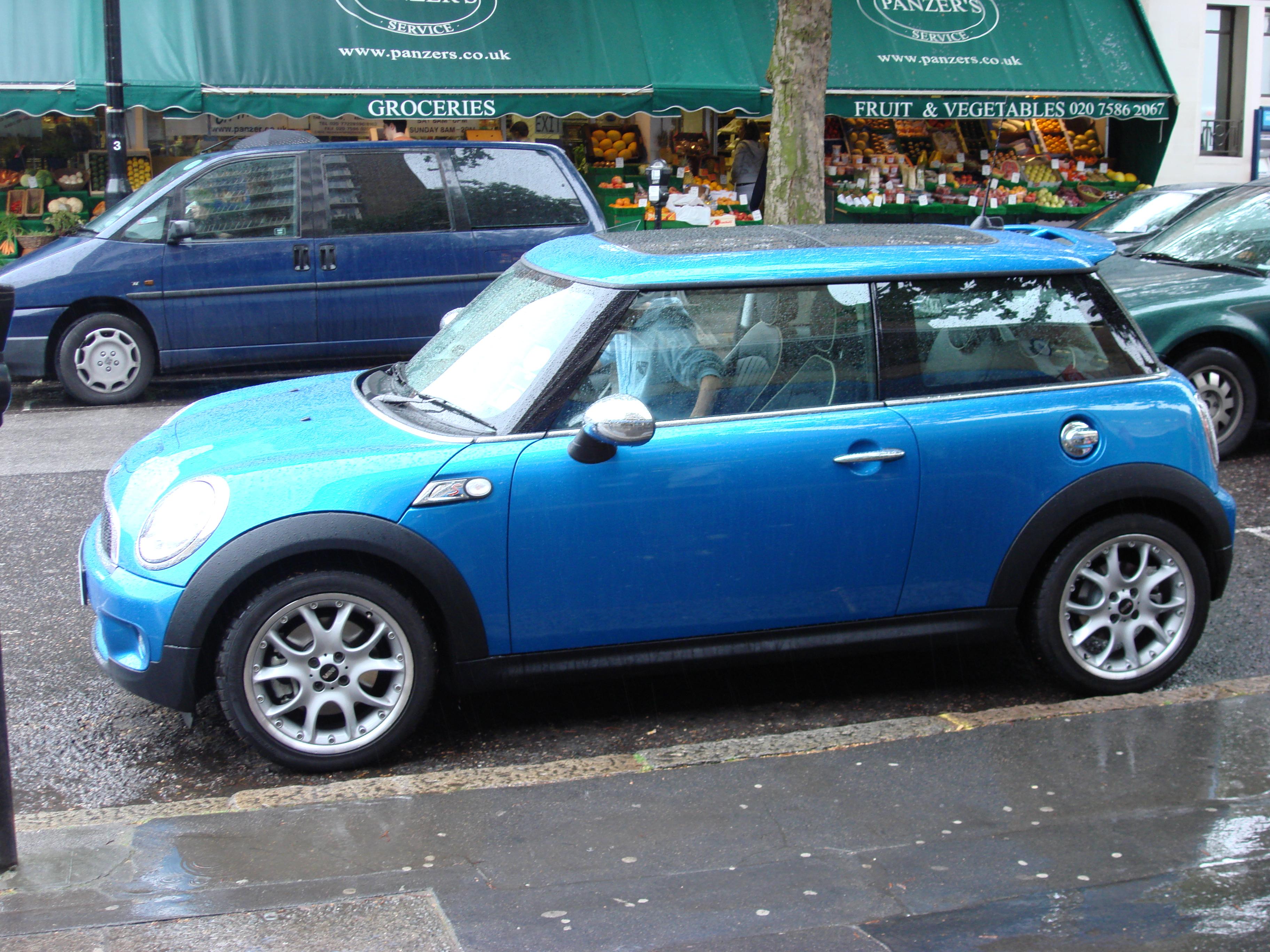 Bmw And Mini Cooper идеи изображения автомобиля