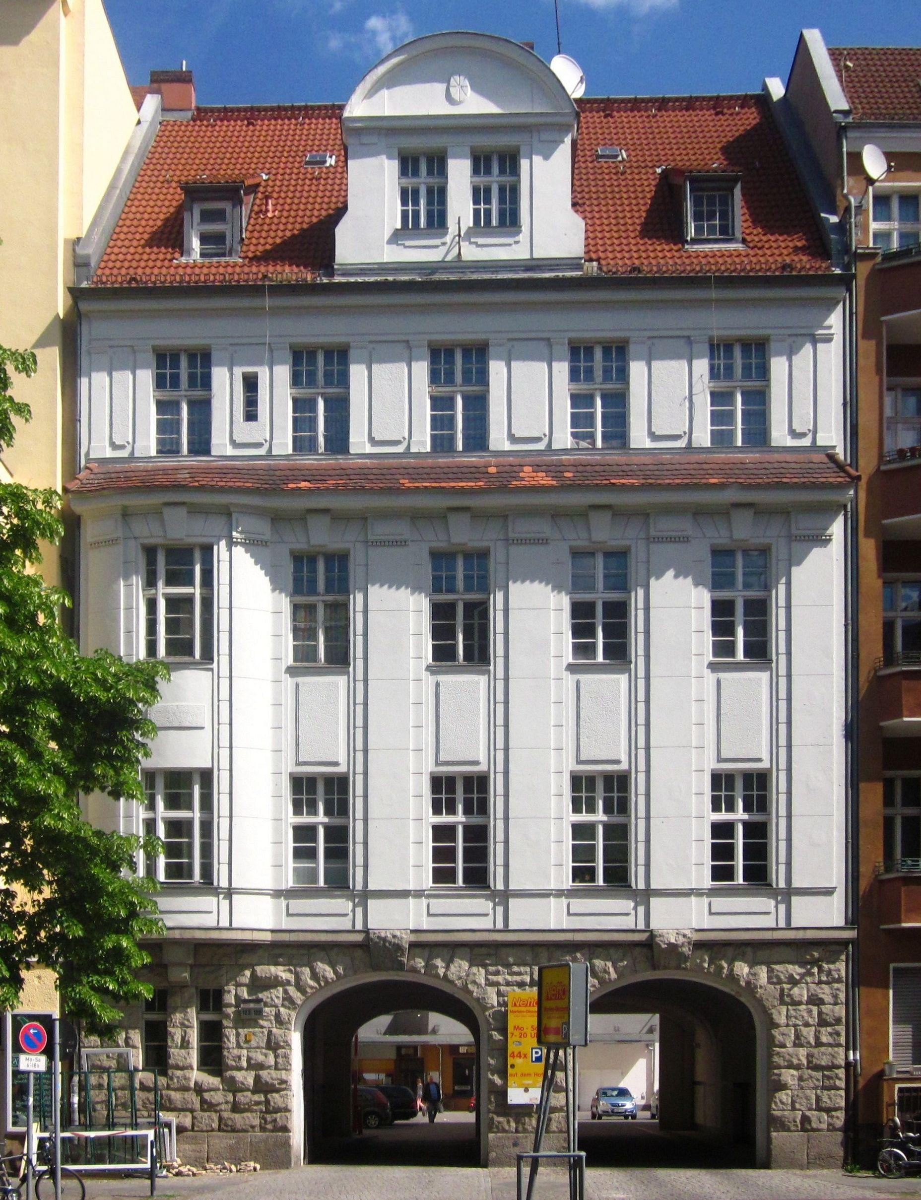 file berlin kreuzberg urbanstrasse 122 123 wohngebauede. Black Bedroom Furniture Sets. Home Design Ideas
