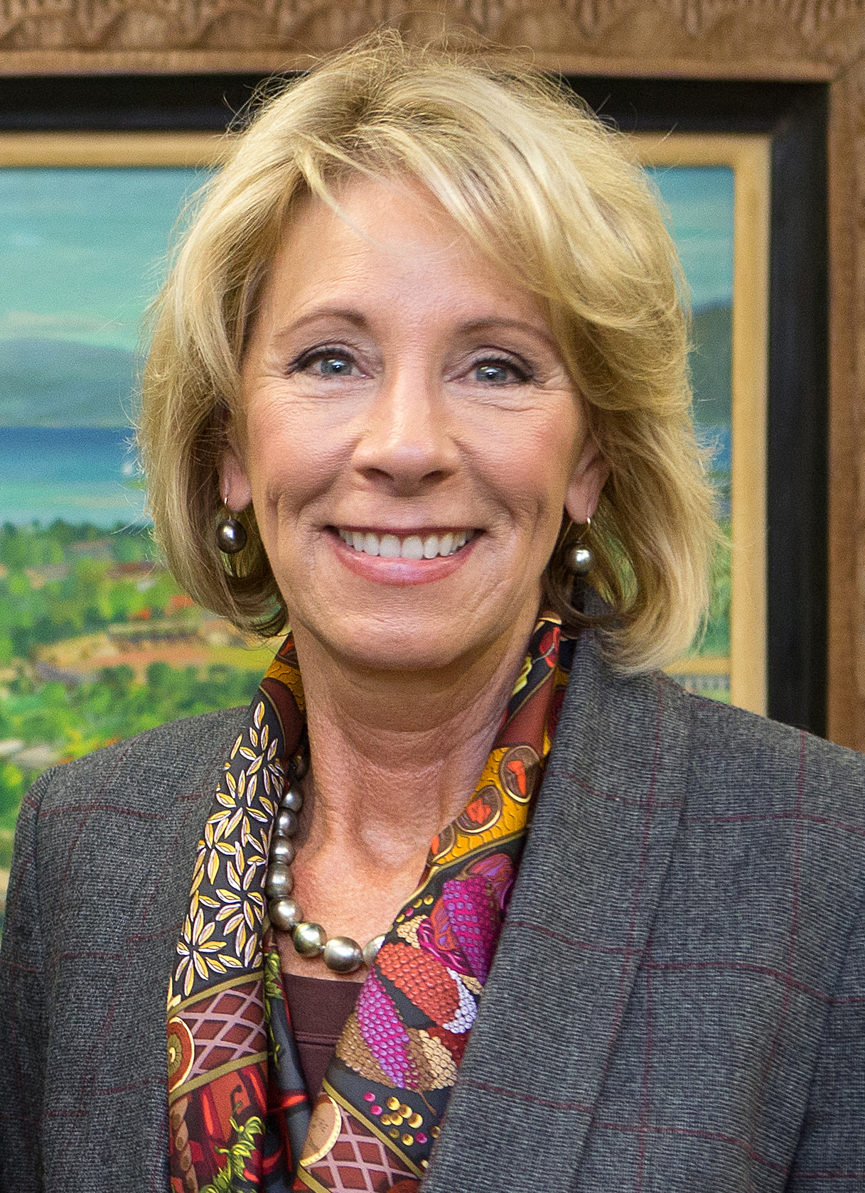 The 60-year old daughter of father Edgar Prince and mother Elsa Zwiep Betsy DeVos in 2018 photo. Betsy DeVos earned a 0.2 million dollar salary - leaving the net worth at 5.1 million in 2018