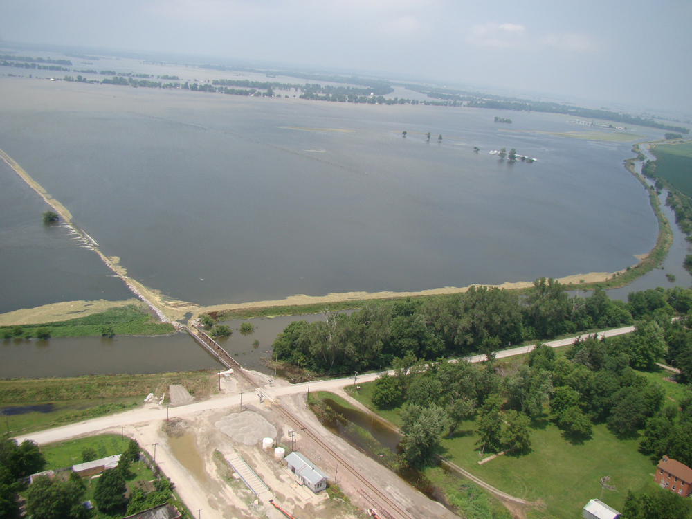 File:Big-lake-levee-breach jpg - Wikimedia Commons
