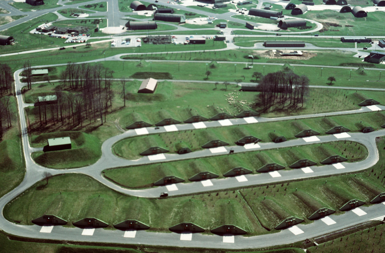 File Bitburg Air Base Bunkers 1988 Jpeg Wikimedia Commons