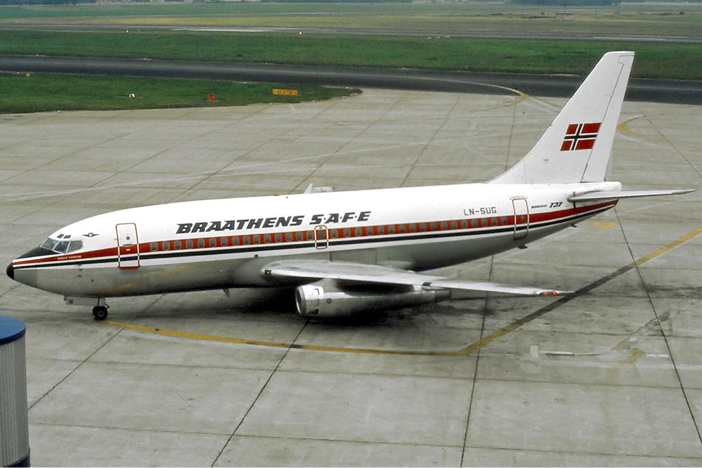 File:Braathens SAFE Boeing 737-200 Haafke-2.jpg ...