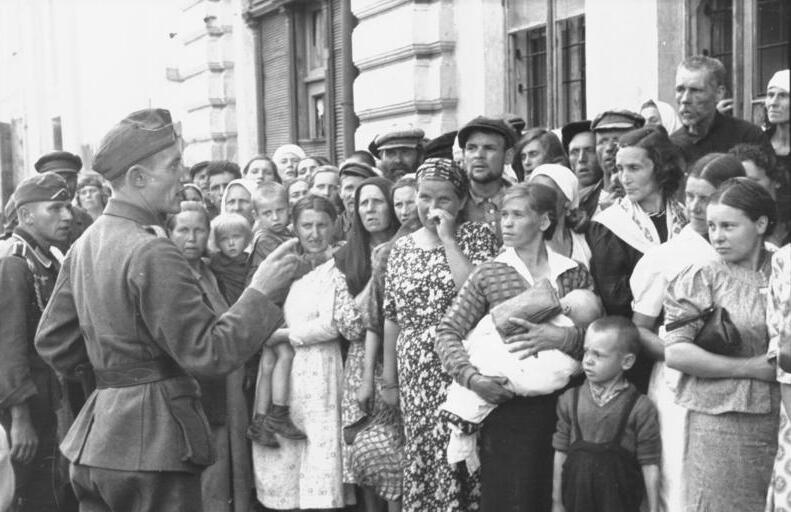 an analysis of the history of the jewish population in the world war two See also: the history place - world war ii in europe timeline  published by  julius streicher - the jewish people ought to be exterminated root and branch.