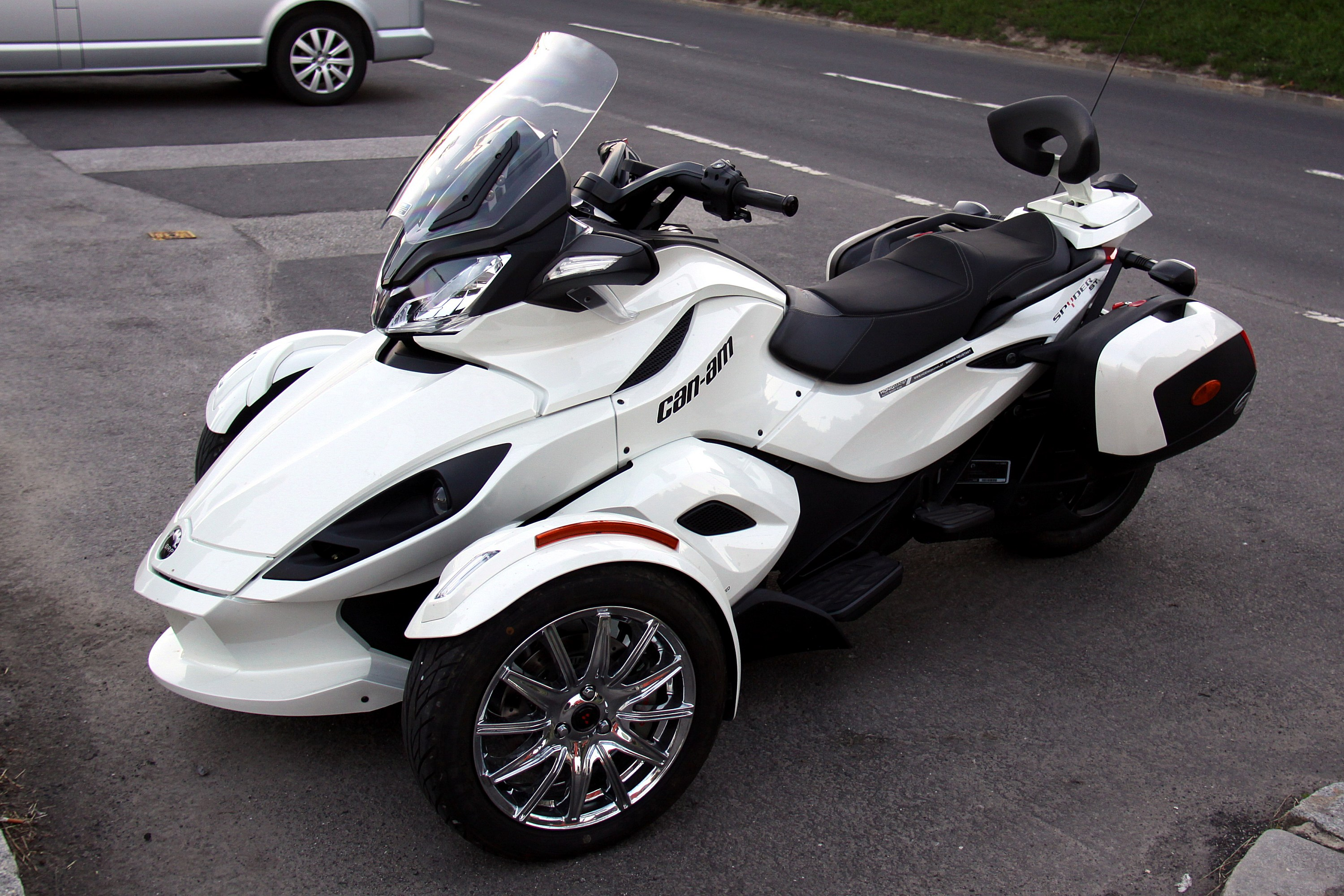 File Can Am Spyder St 01 Jpg Wikimedia Commons