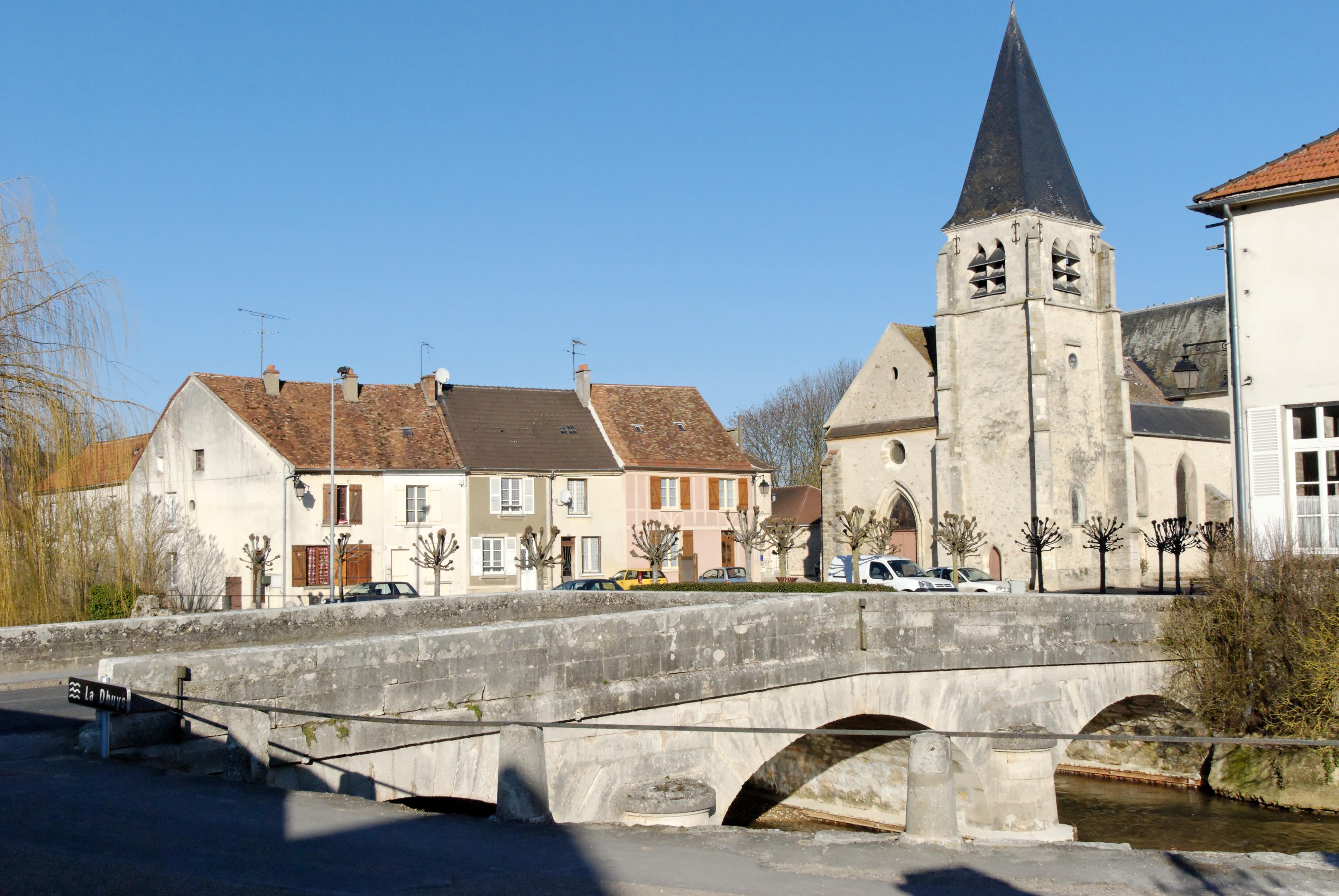 Centre Ville Conde En Brie