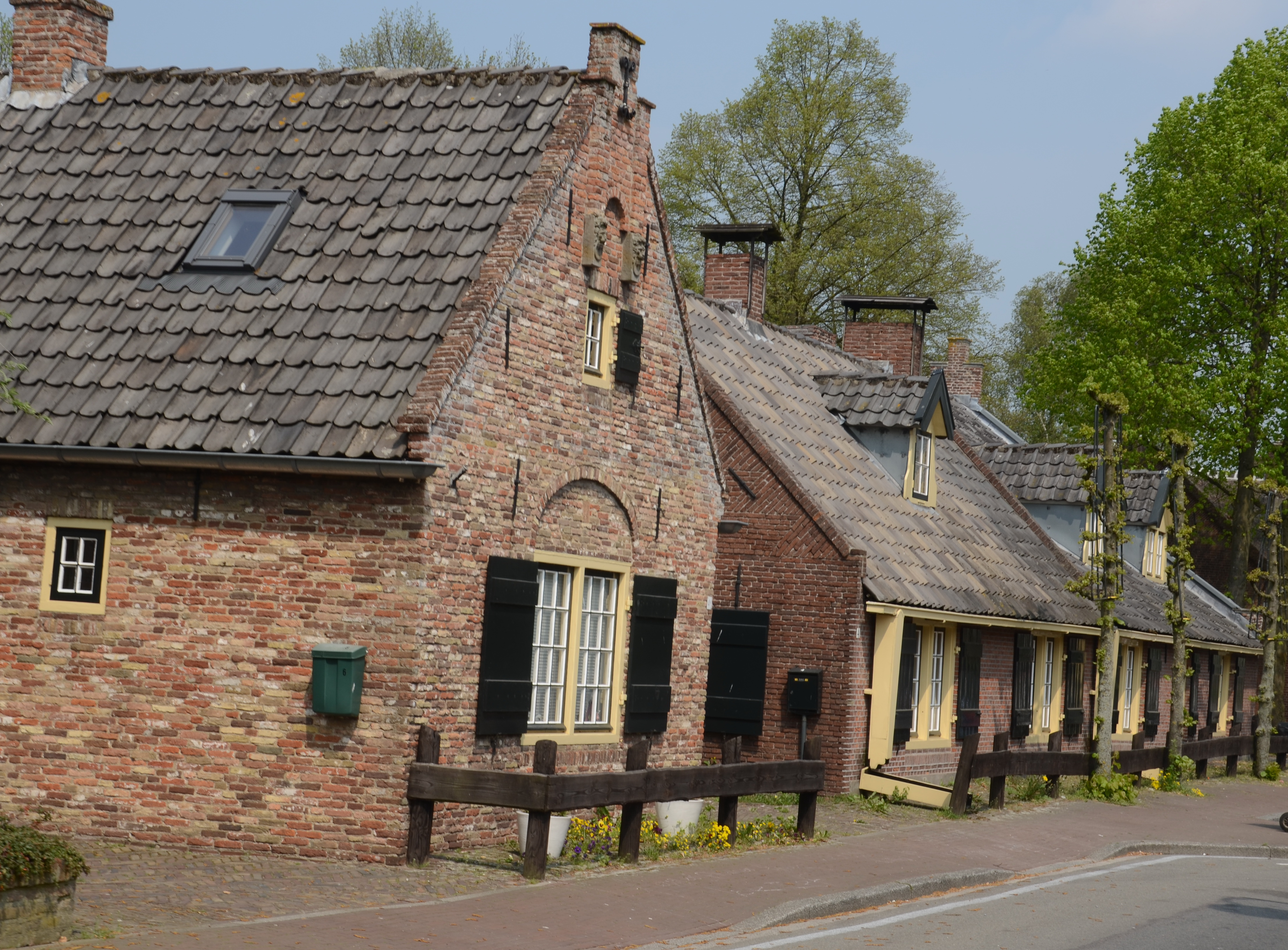 File Characteristic Old Dutch Houses At The Center Of Eemnes Makes