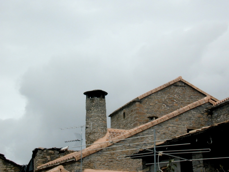 File:Chimenea casa bara.jpg - Wikimedia Commons