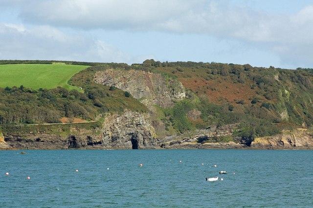 Cliffs near Waterwynch, Tenby - geograph.org.uk - 1491162