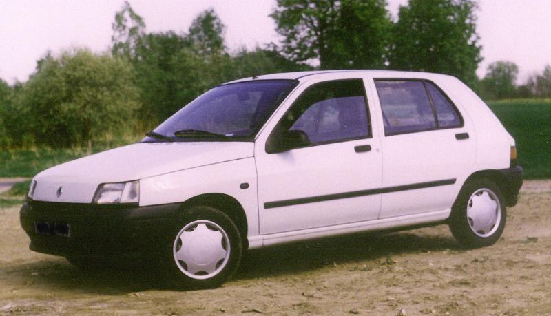 Uno Auto Clio_i_ph1