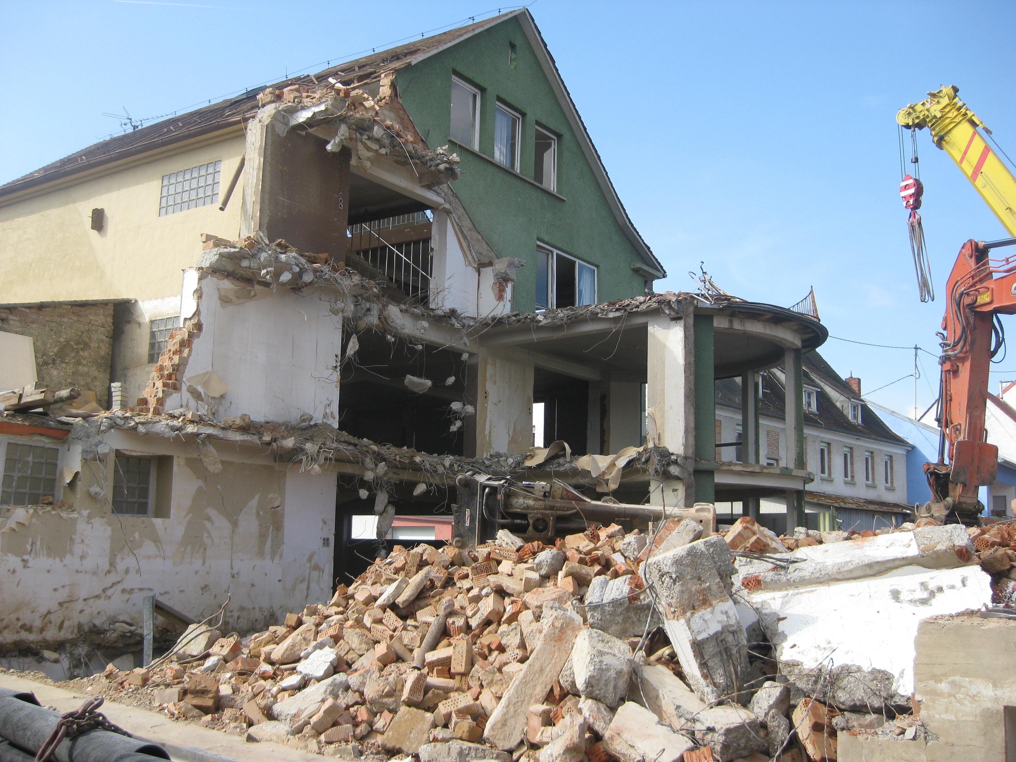 File:Demolition Of Furniture Store In Eschelbronn 2014 06