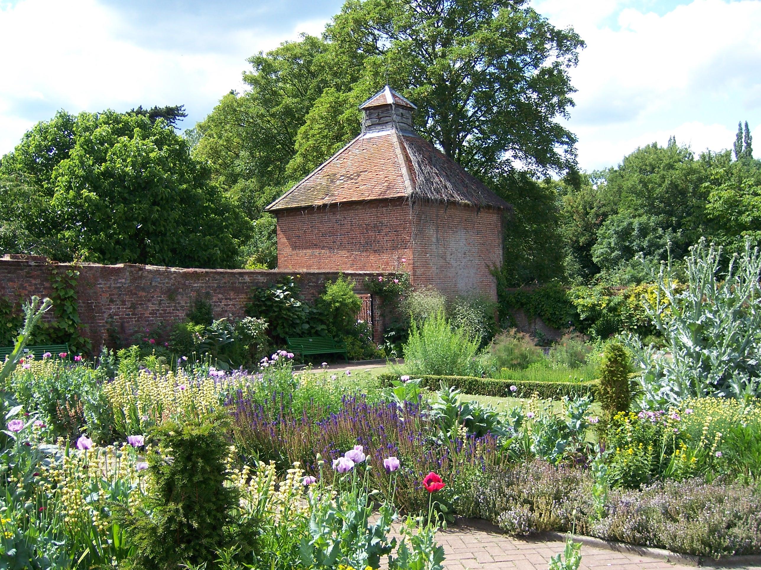 gardens house: