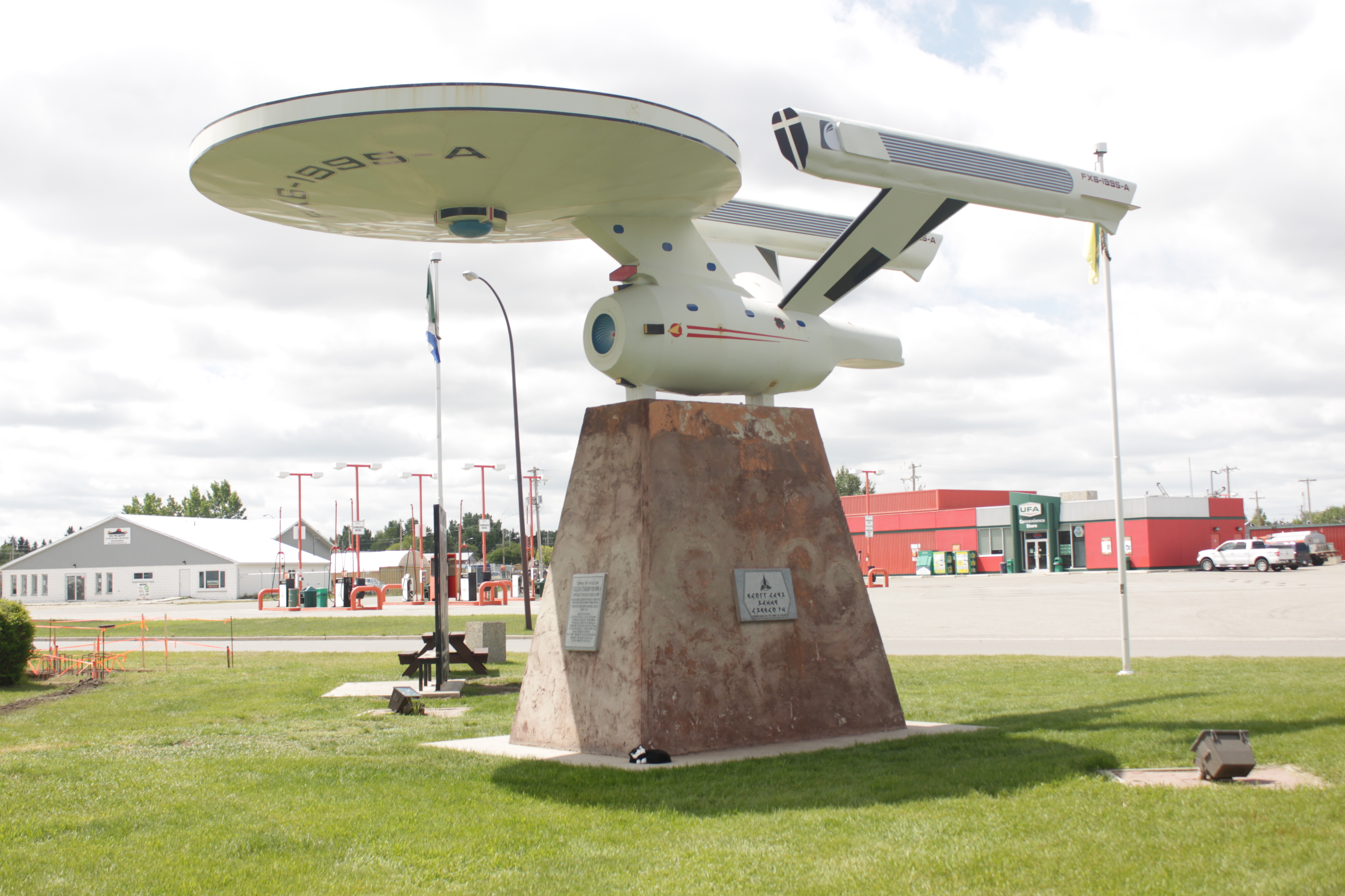 Fox Creek (AB) Canada  city photos gallery : Description Enterprise monument Vulcan Alberta 2013