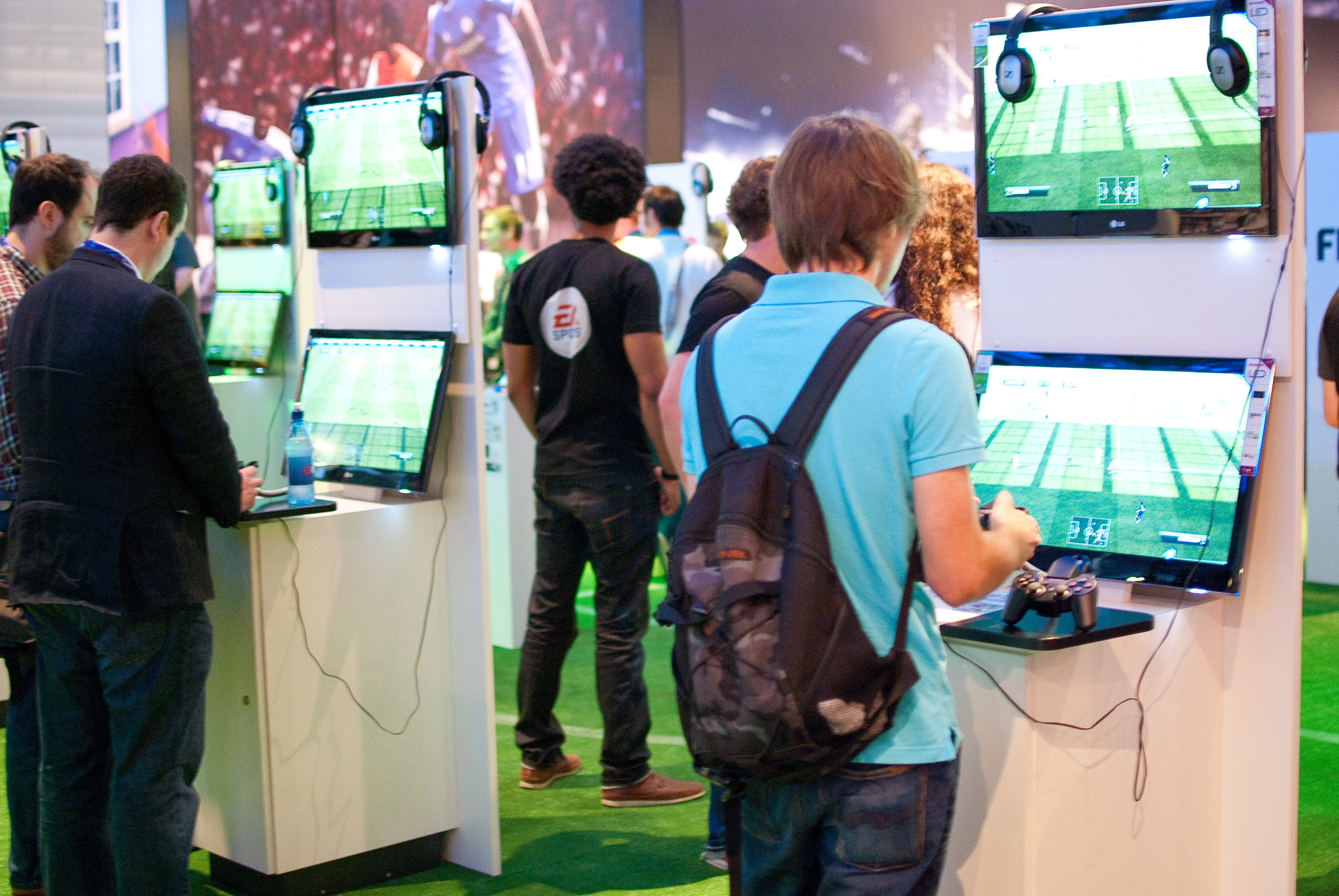 Exhibition Stand Wiki : File fifa at gamescom g wikimedia commons