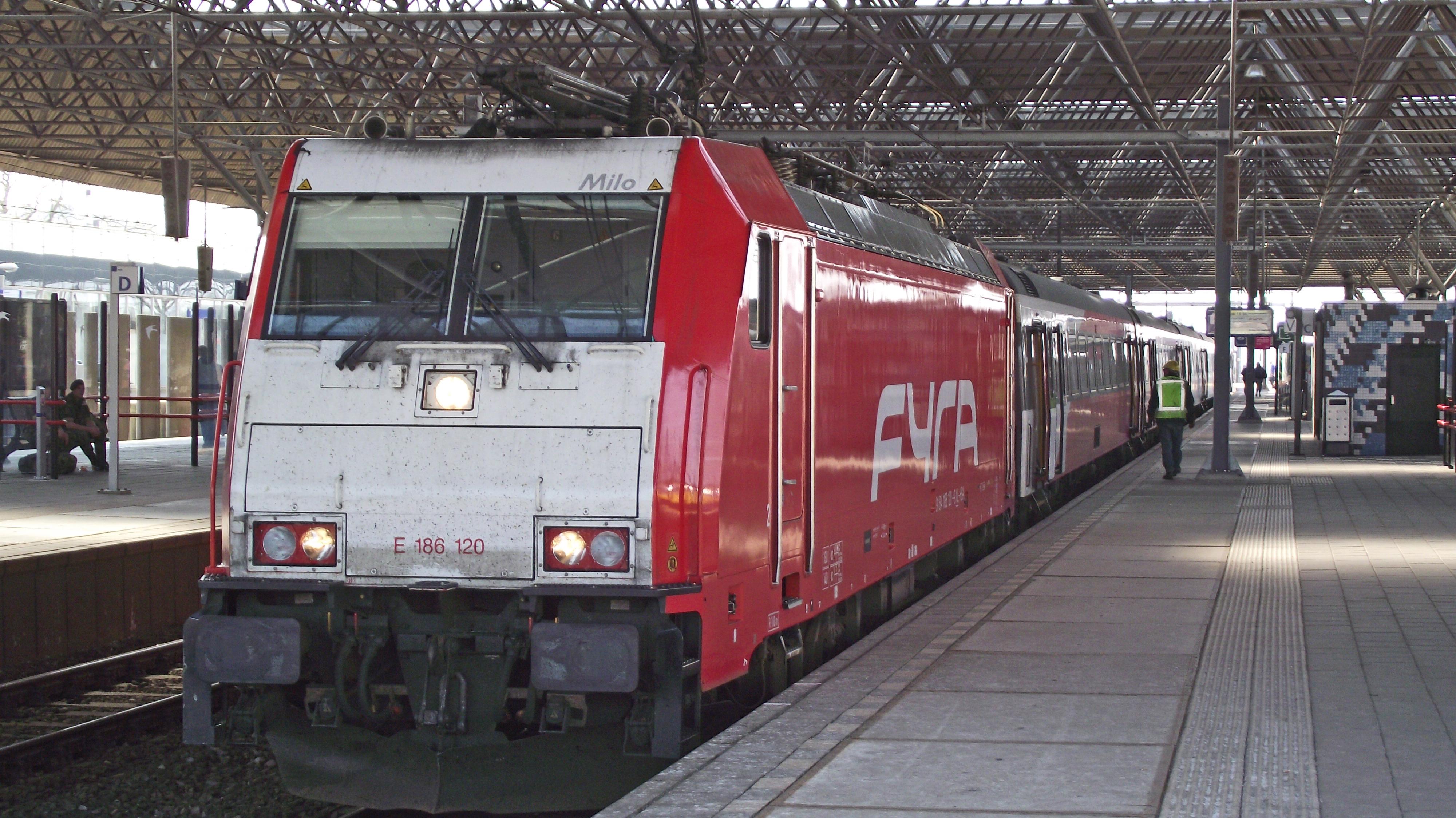 Berlin dresden prague zurich then amsterdam belgium paris for Berlin to dresden train
