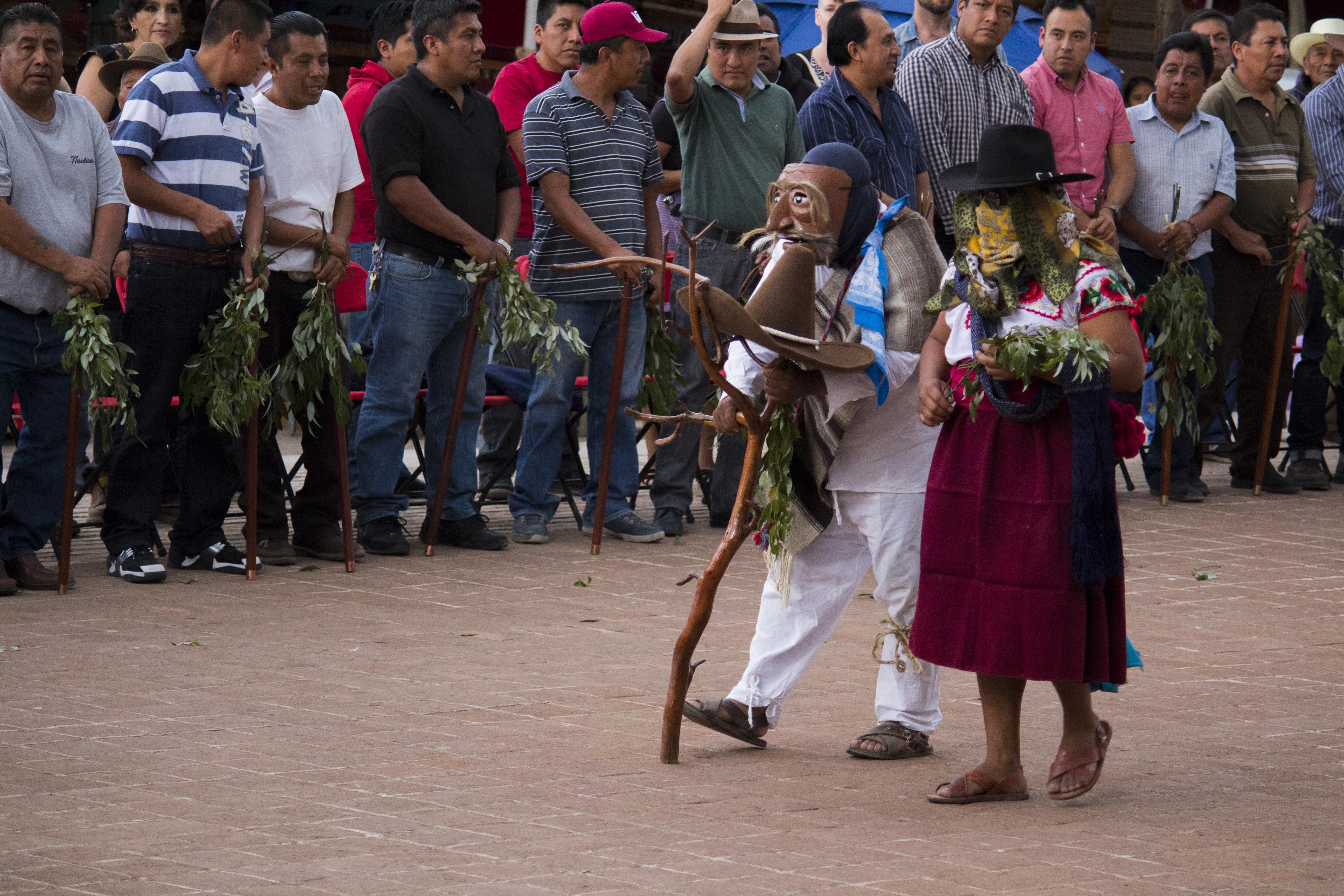 4 Viejos file:guls (viejos) del carnaval de teotitlán del valle