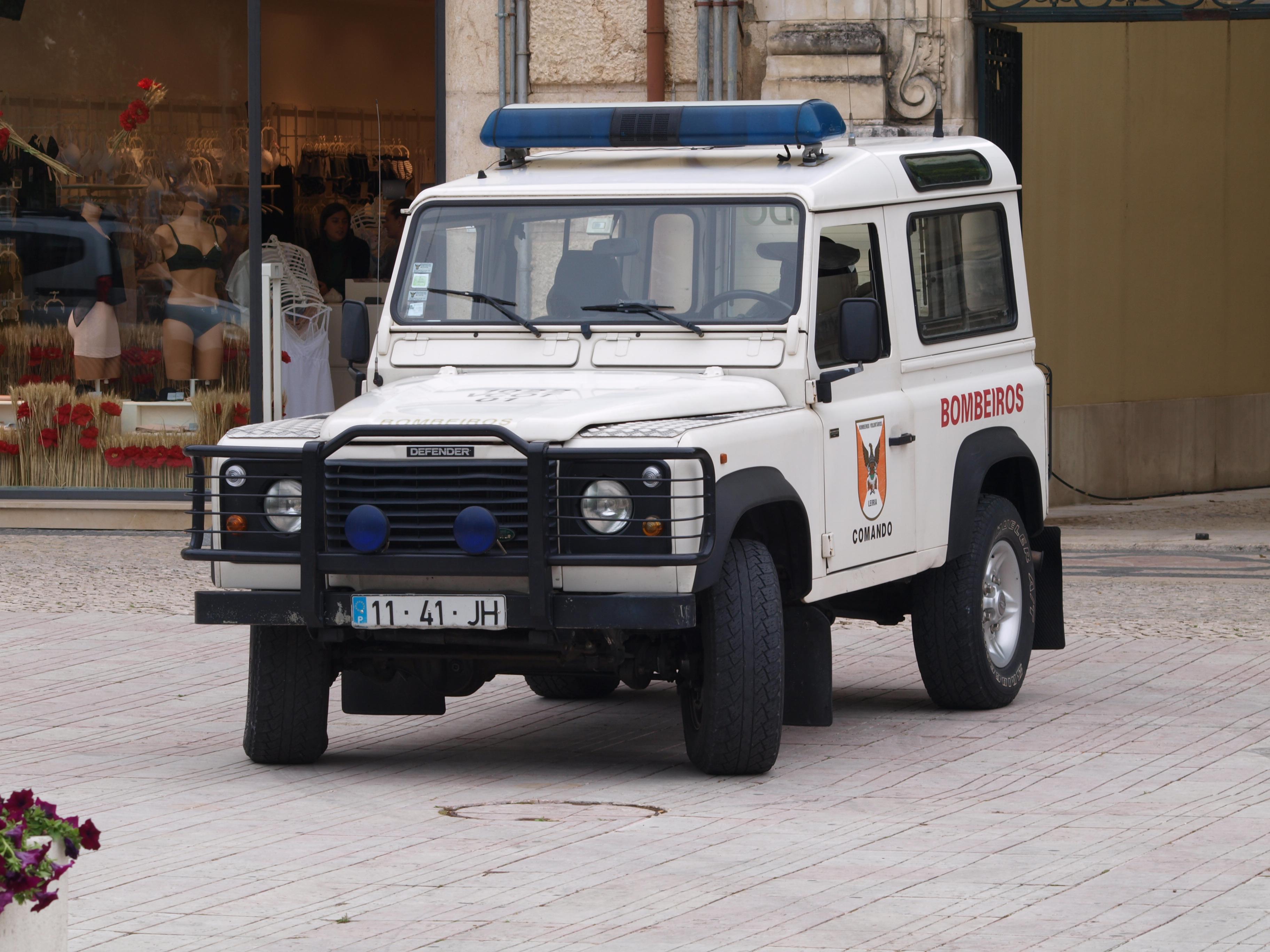 File Land Rover Defender Bombeiros Voluntarios De Leiria