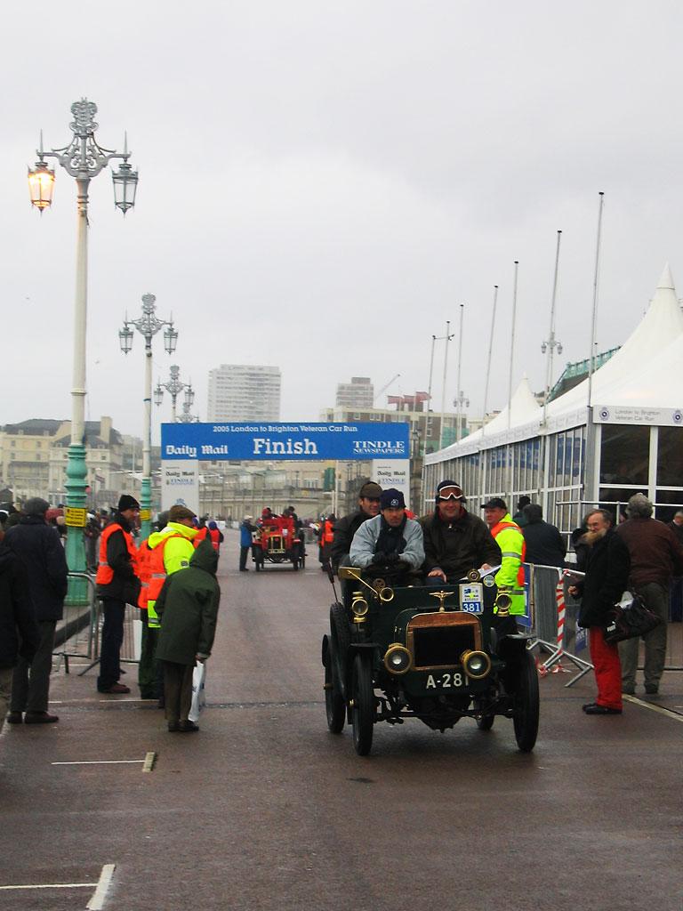 Celebreties In  London To Brighton Car Run