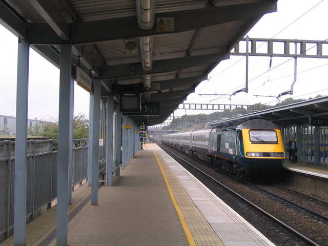 Luton train station