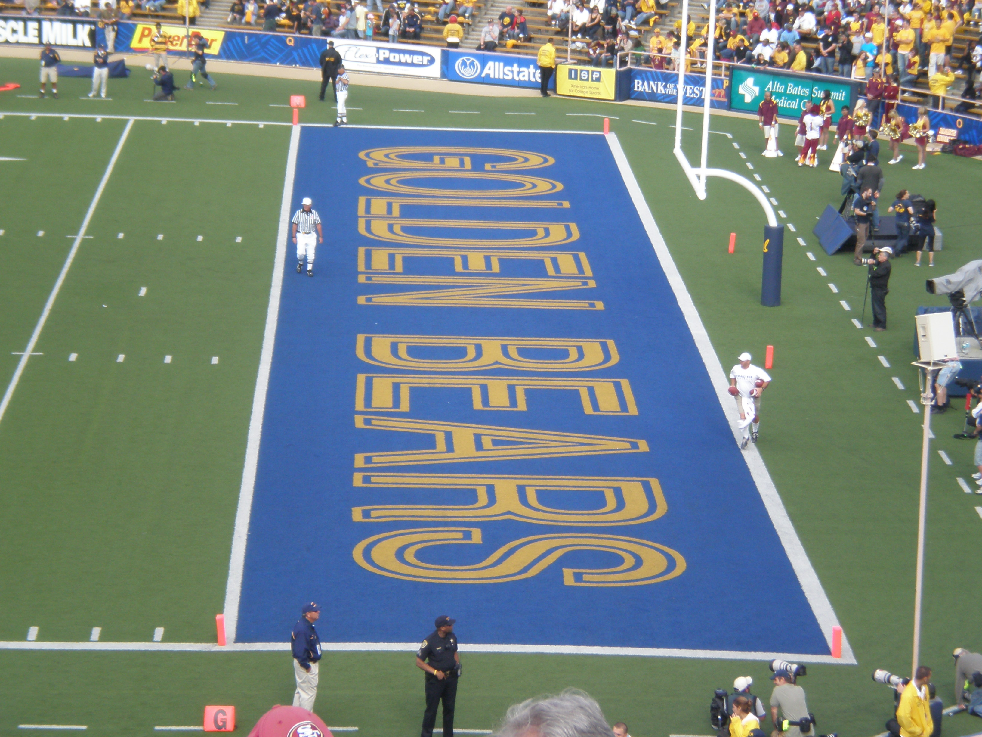 File Memorial Stadium South End Zone Jpg Wikimedia Commons