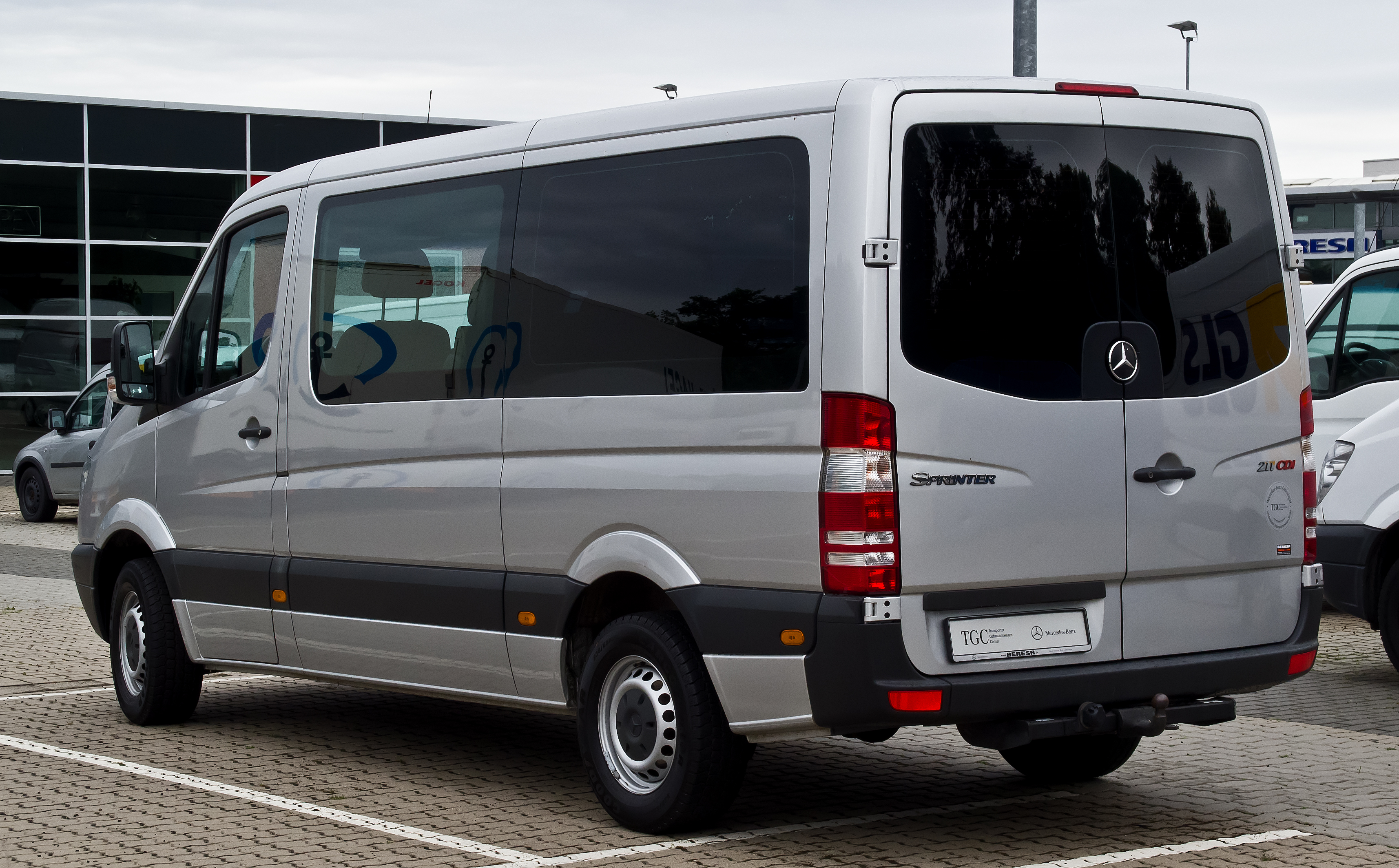 file mercedes benz sprinter kombi 211 cdi w 906. Black Bedroom Furniture Sets. Home Design Ideas