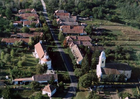File:Pápoc légifotó.jpg