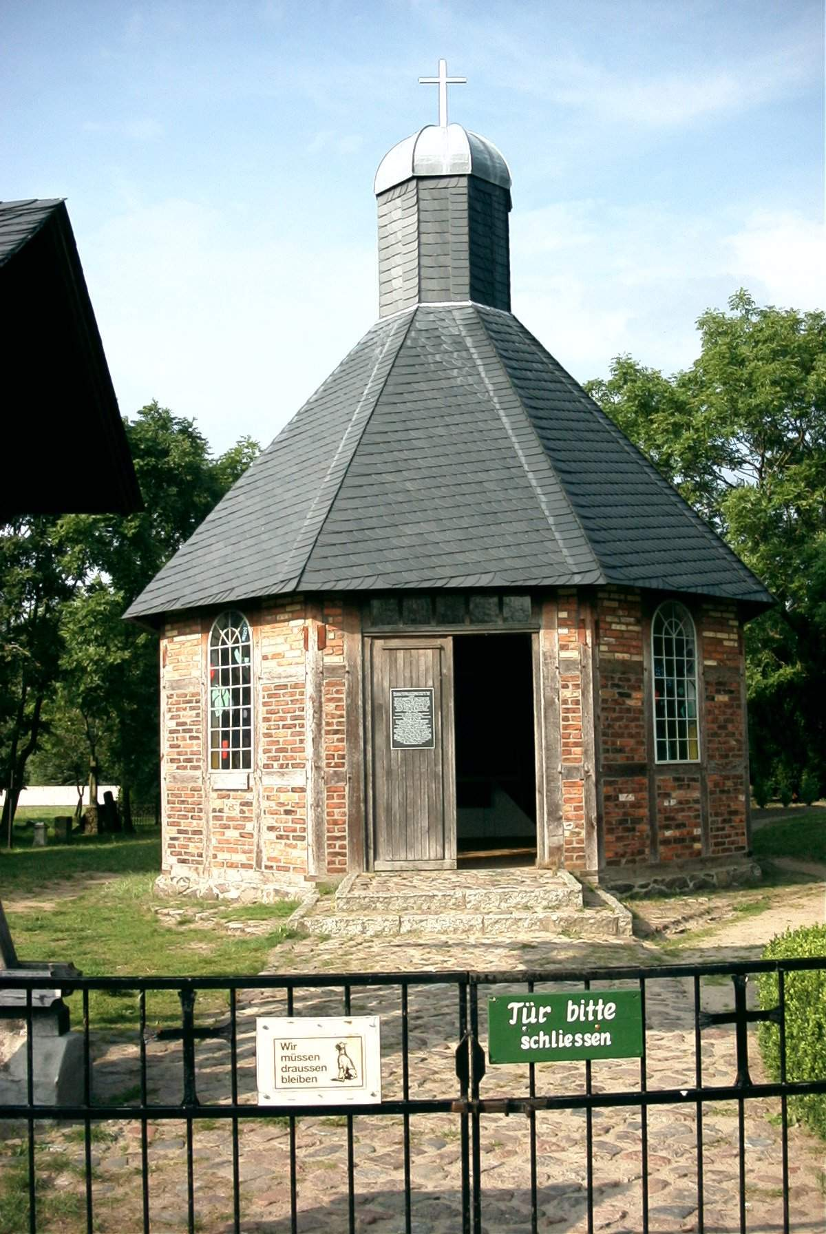 Peenemünde-Kapelle-090903.JPG