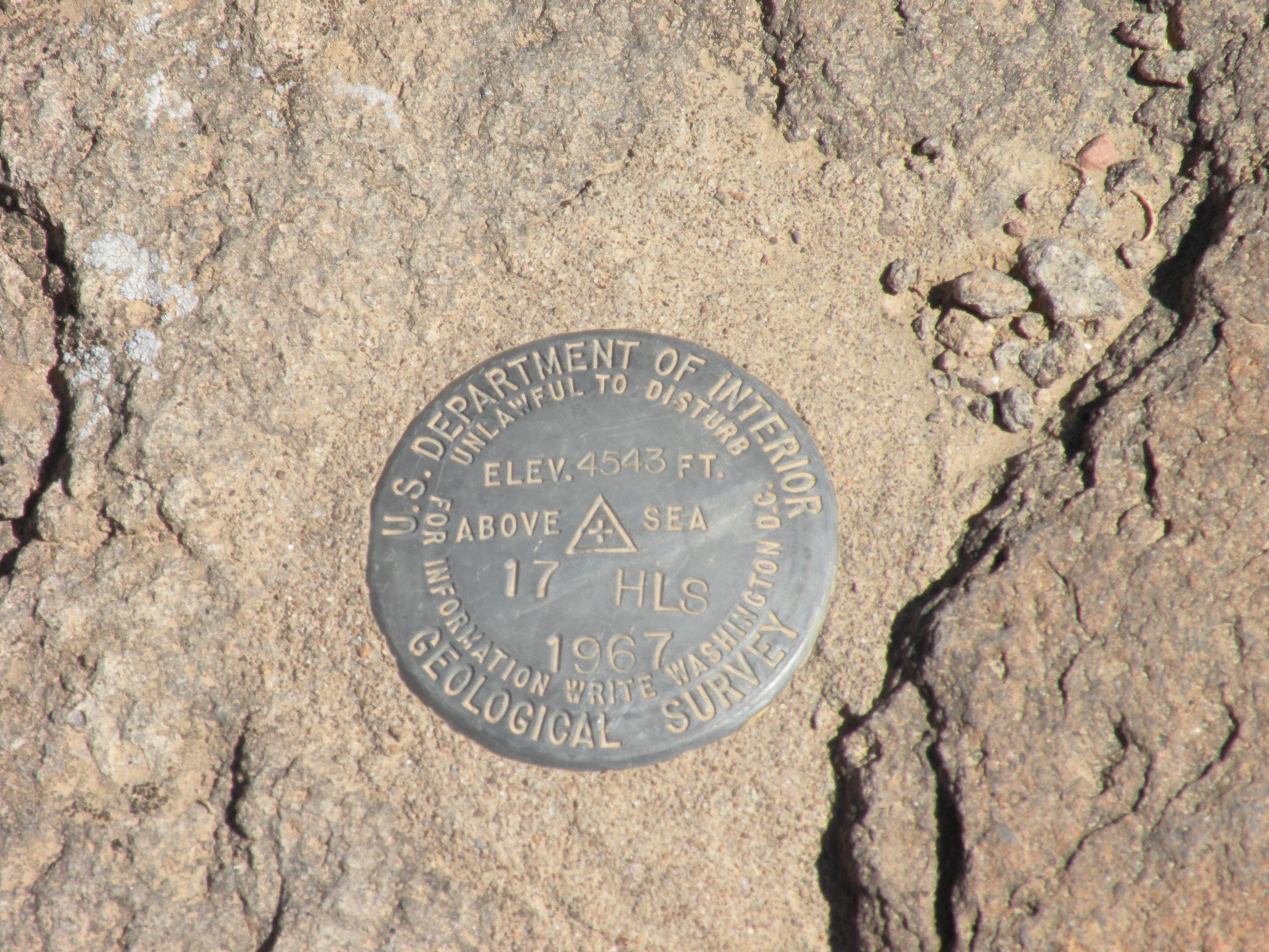 File:Plaque géographique de la zone 51.JPG - Wikimedia Commons