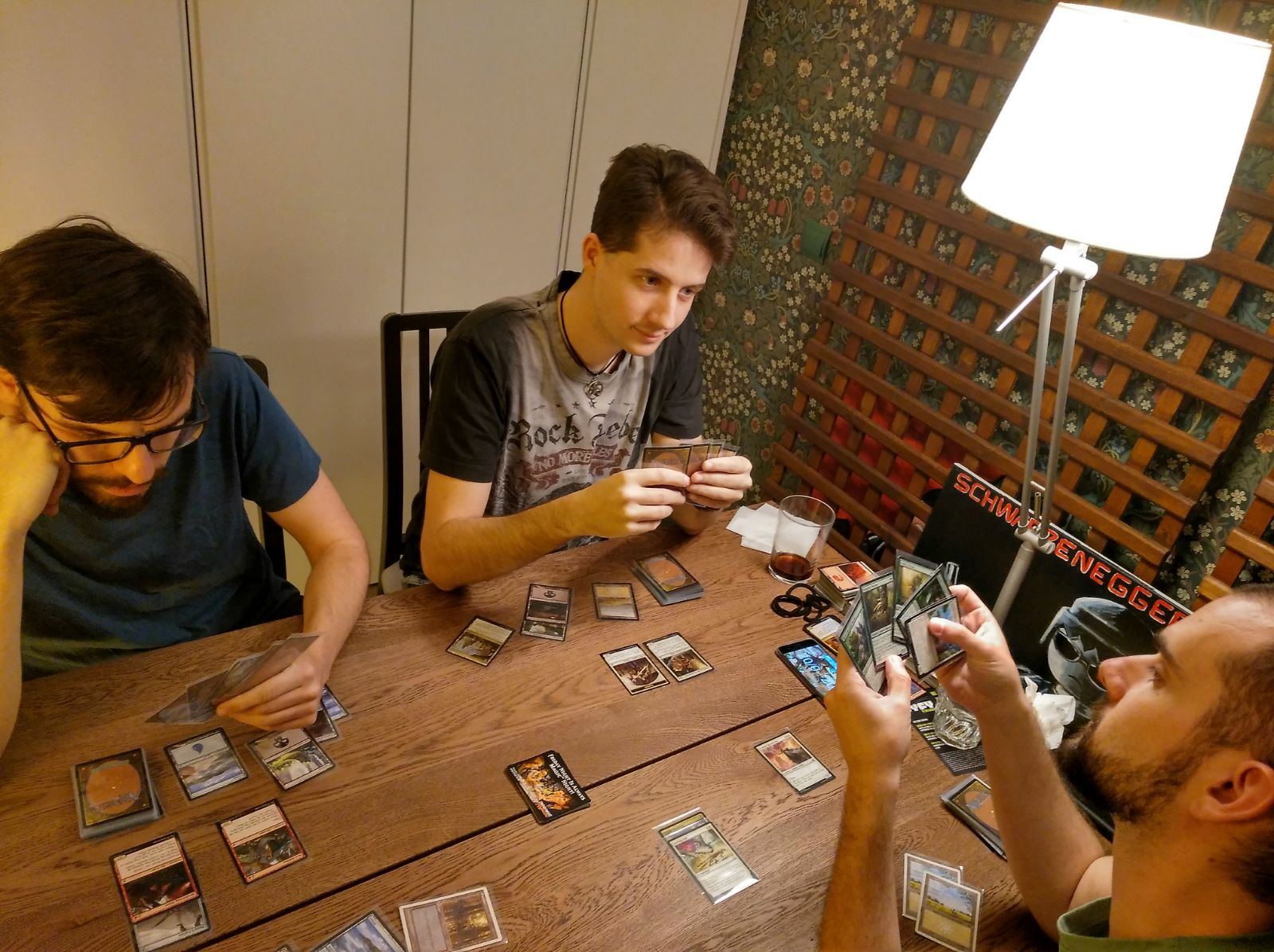 File:Players during a Magic The Gathering Draft.jpg - Wikimedia Commons