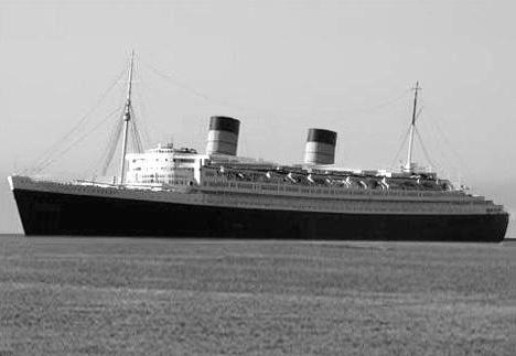 Ficheiro:RMS Queen Elizabeth.jpg
