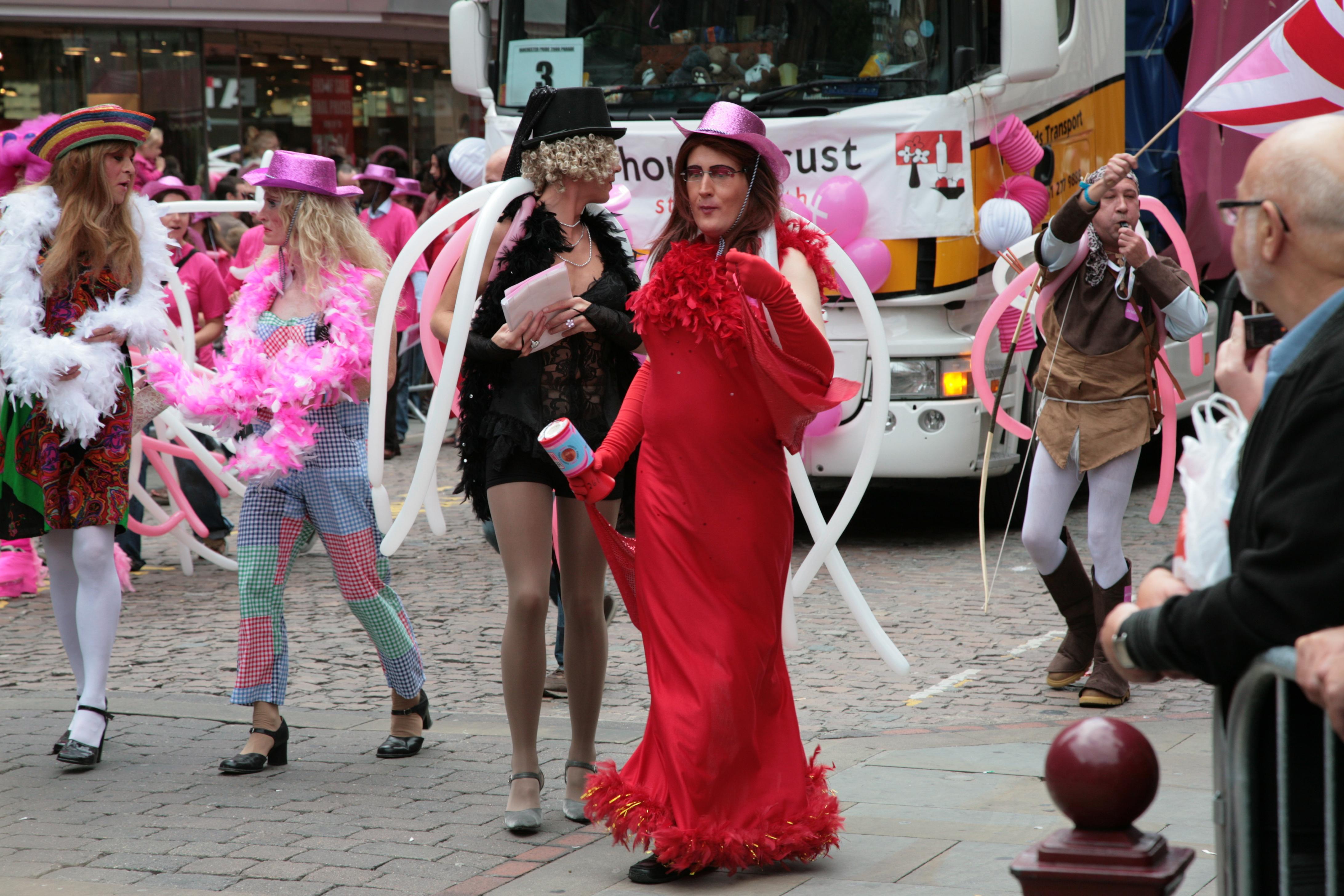 Straight woman dating a transman