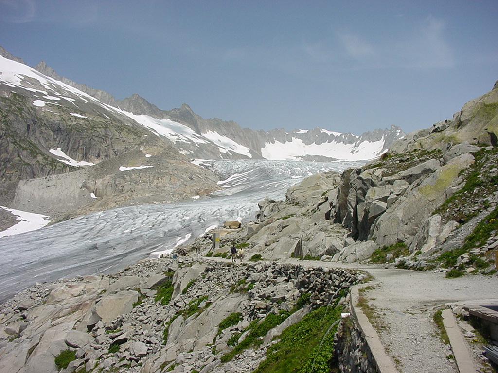 Rhone Glacier - panoramio - Alistair Cunningham.jpg