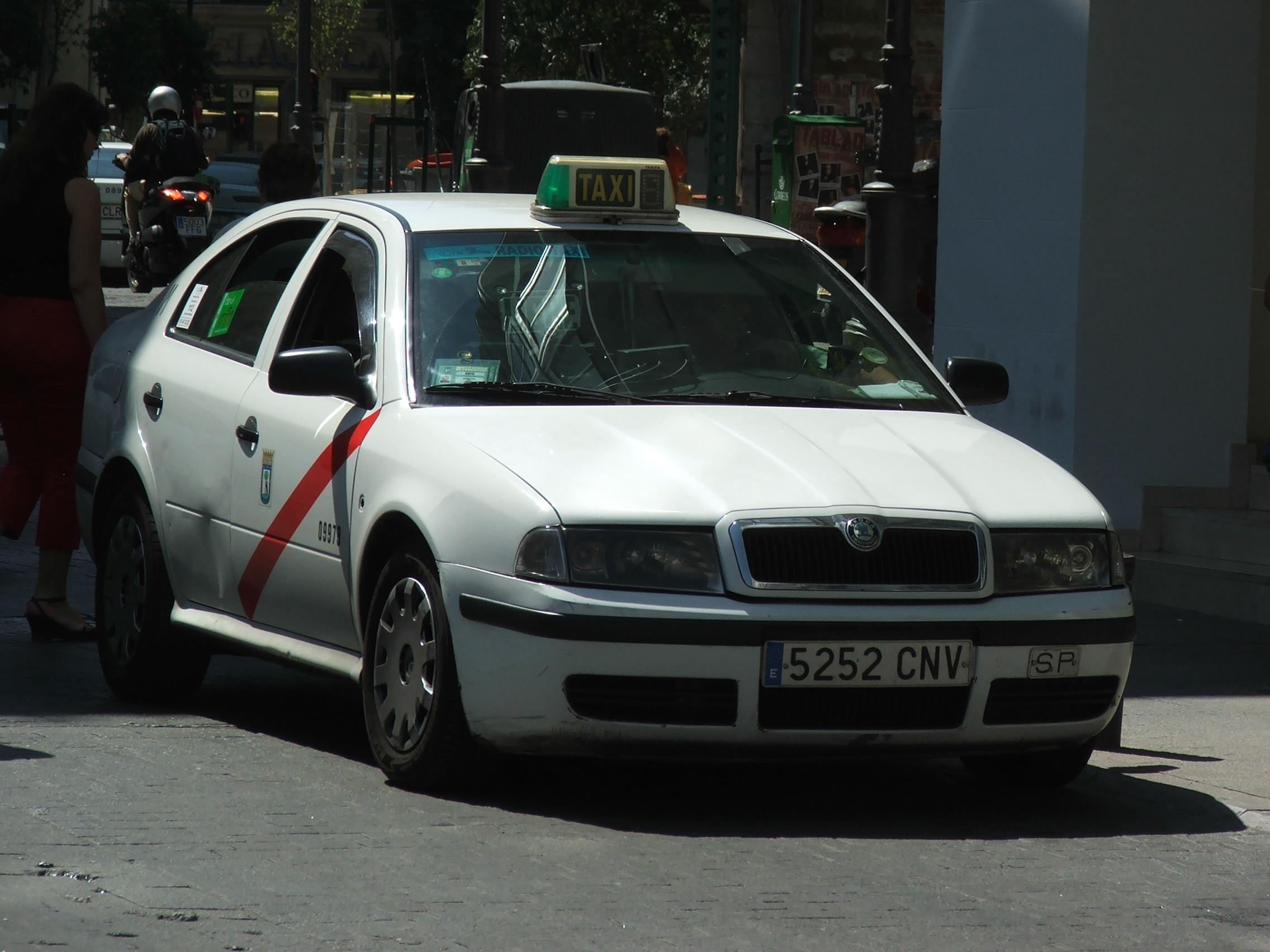 File Skoda Octavia Taxi Madrid 3867 Jpg Wikimedia Commons