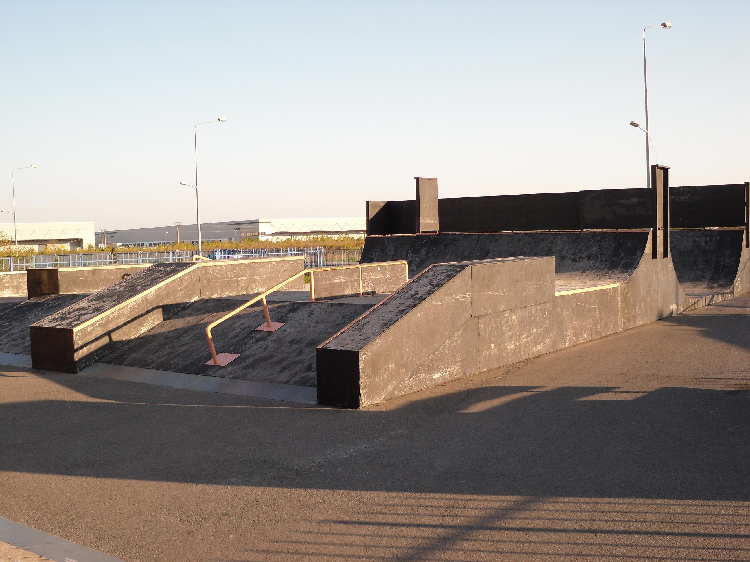 File Sochaczew Skatepark Jpg Wikimedia Commons