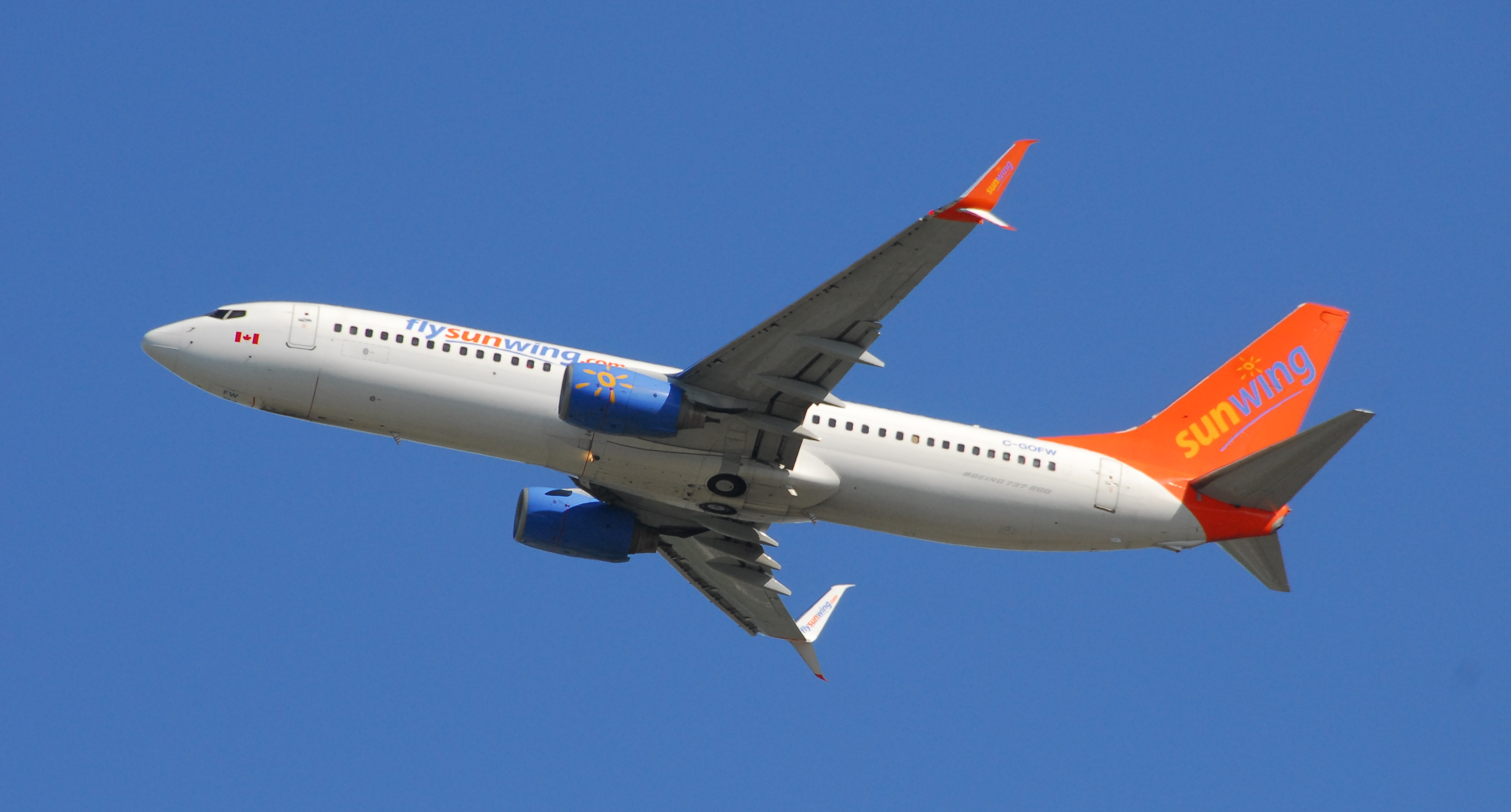 File:Sunwing Airlines Boeing 737-8BK - C-GOFW - Flight SWG730 from