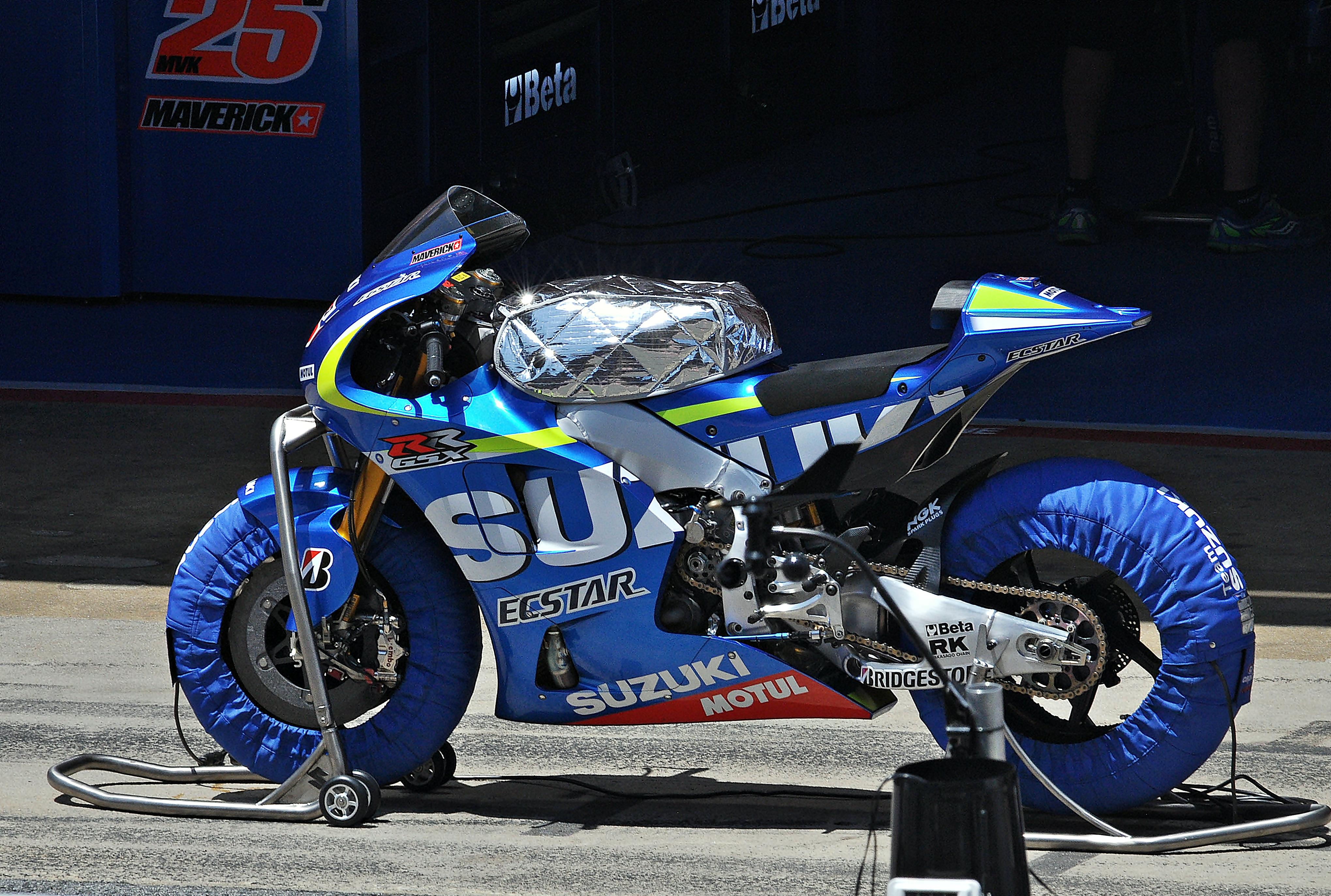 Suzuki Ttitan Exhaust