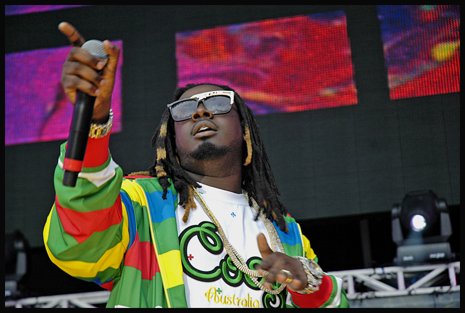 T-Pain performing at Hot 97's Summer Jam 2007 ...