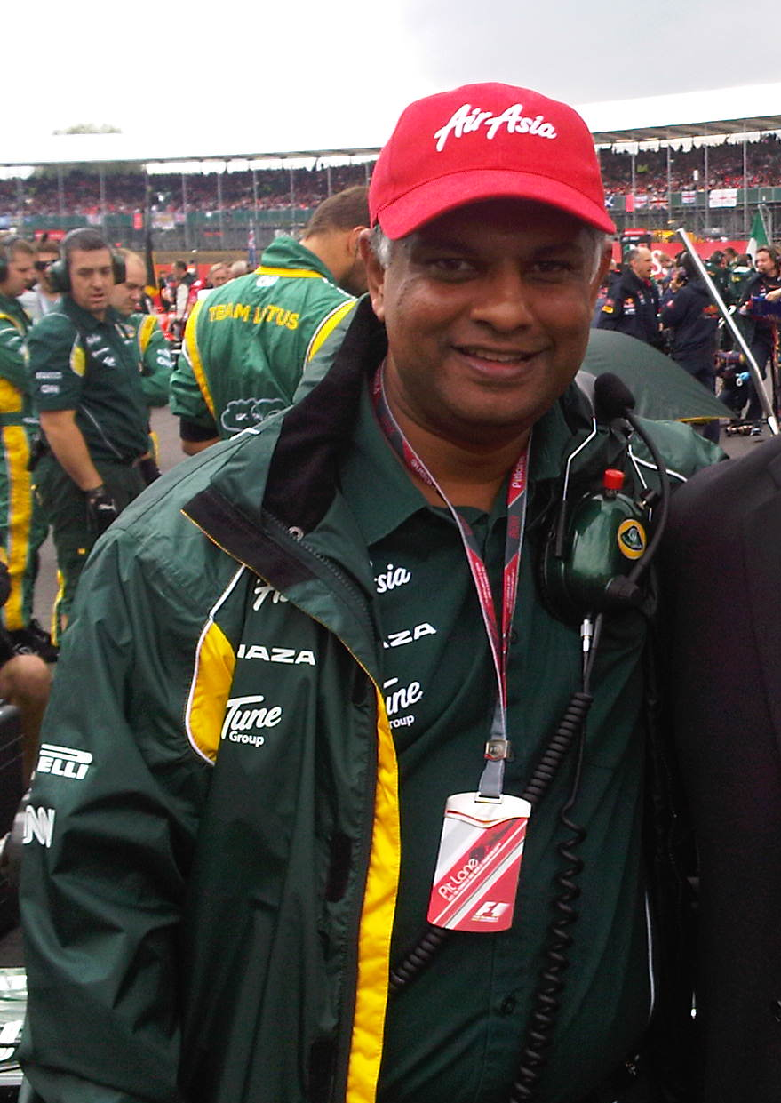 Tony Fernandes Wikipedia