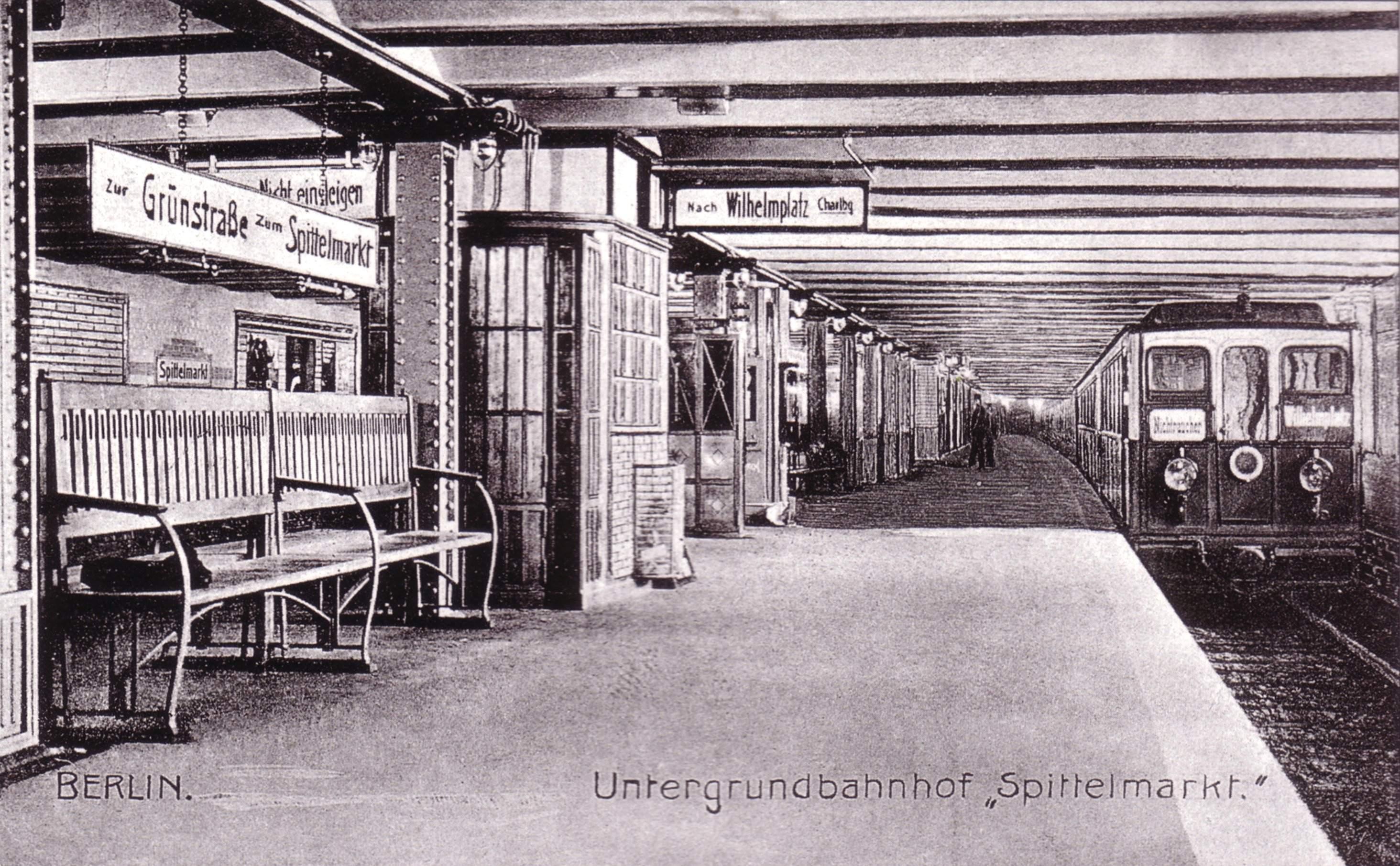 Berlin Zug Und Hotel