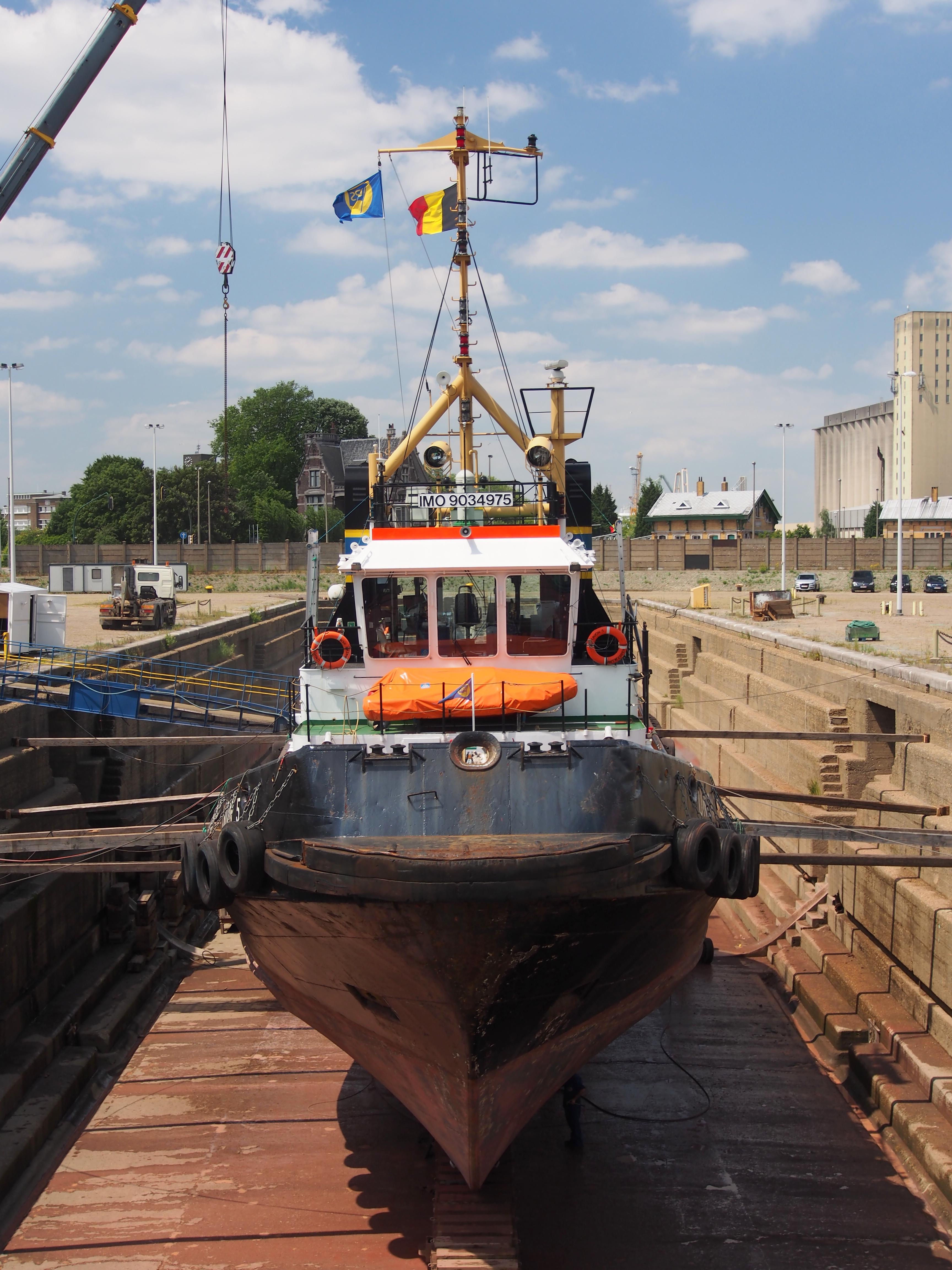File Union 5 Imo 9034975 Droogdok In De Haven Van Antwerpen Pic2 Jpg Wikimedia Commons