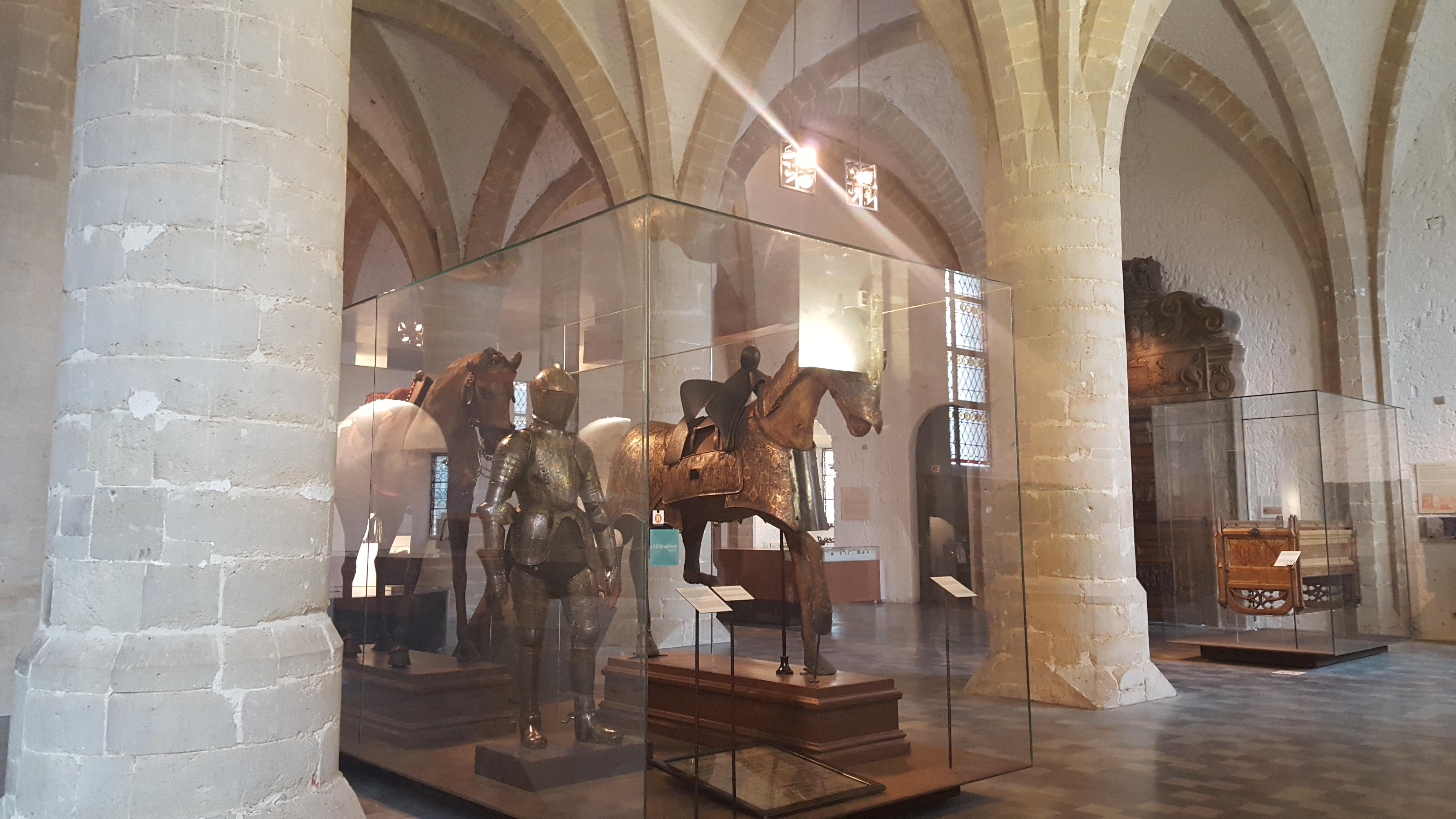 Filewiki Loves Art Bruxelles Porte De Hal Les Chevaux