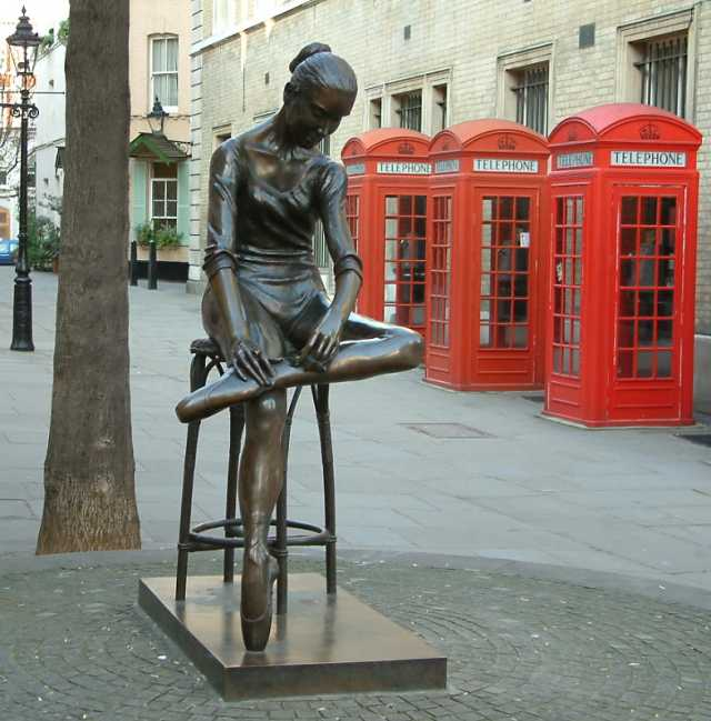 http://upload.wikimedia.org/wikipedia/commons/b/be/Young_Dancer_-_Statue_by_Enzo_Plazzotta_Bow_Street_-_London_-_240404.jpg