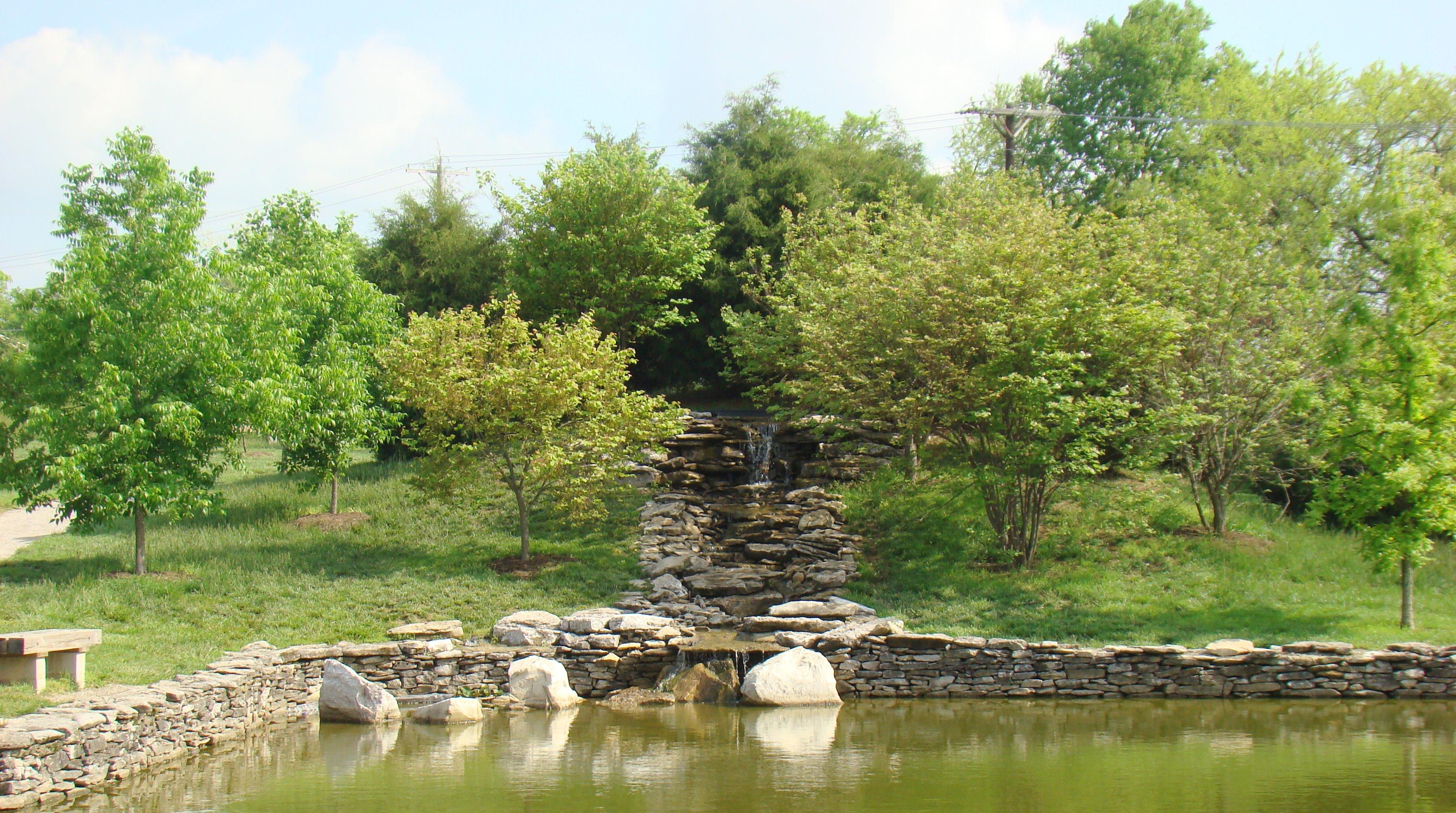 File yuko en on the elkhorn upper waterfall and koi pond for Japanese garden koi
