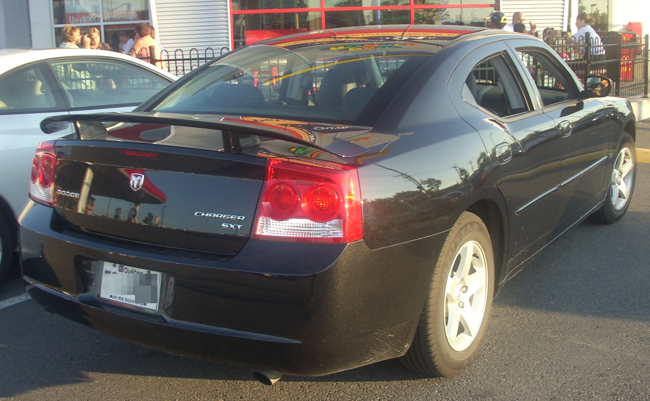 file:'09-'10 dodge charger sxt -- rear - wikimedia commons